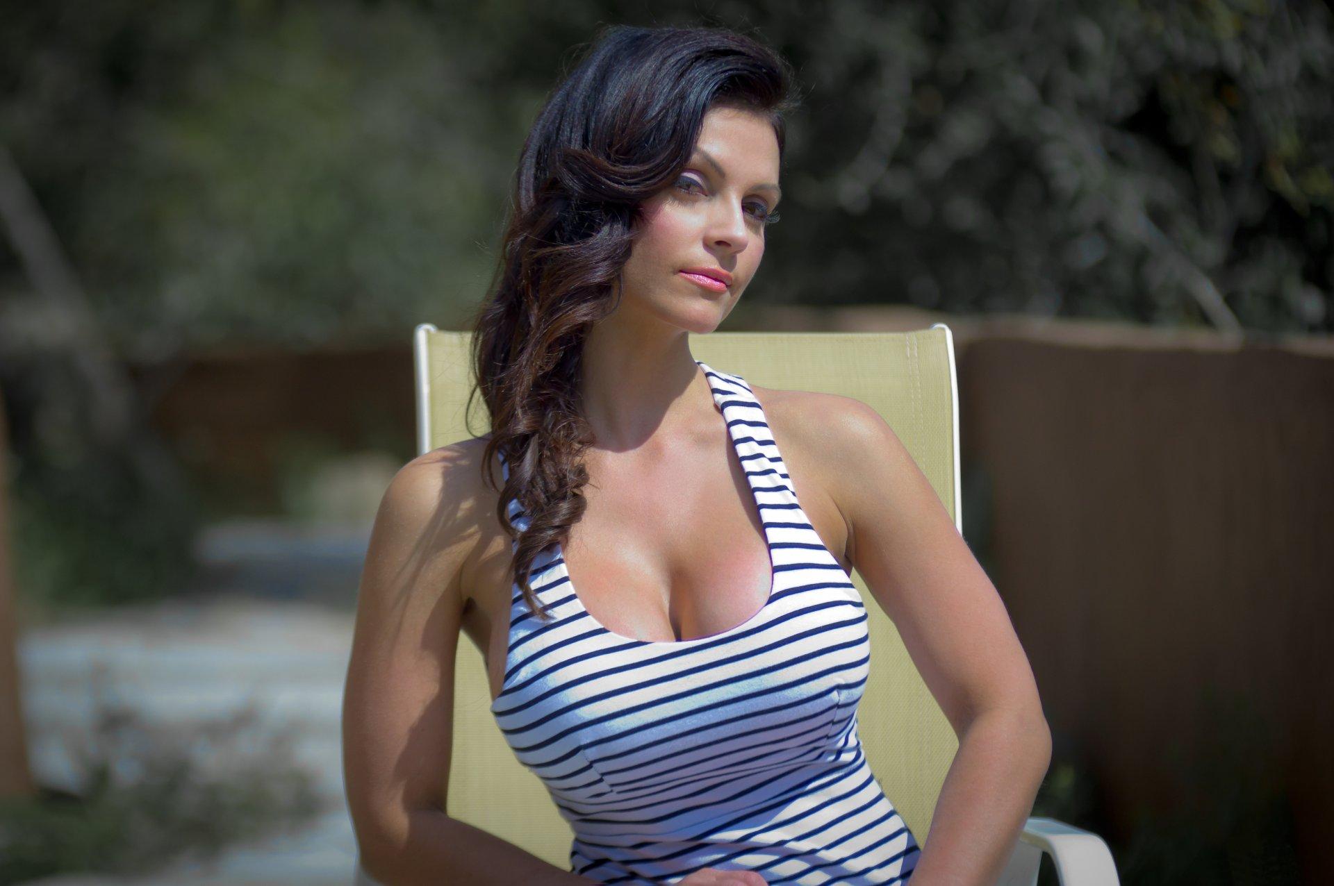 Фото для телефона большая грудь, Фото больших сисек и натуральных доек женщин 16 фотография