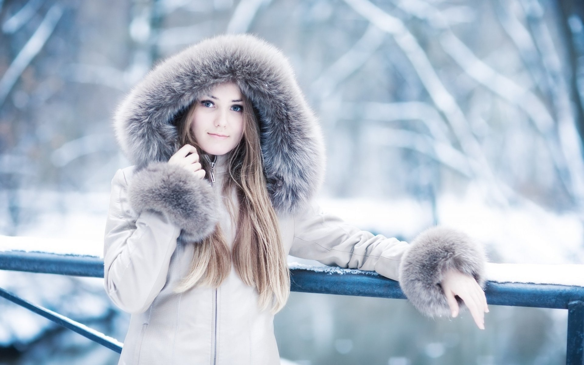 Красивые девчонки зимой, влагалище в крупном плане