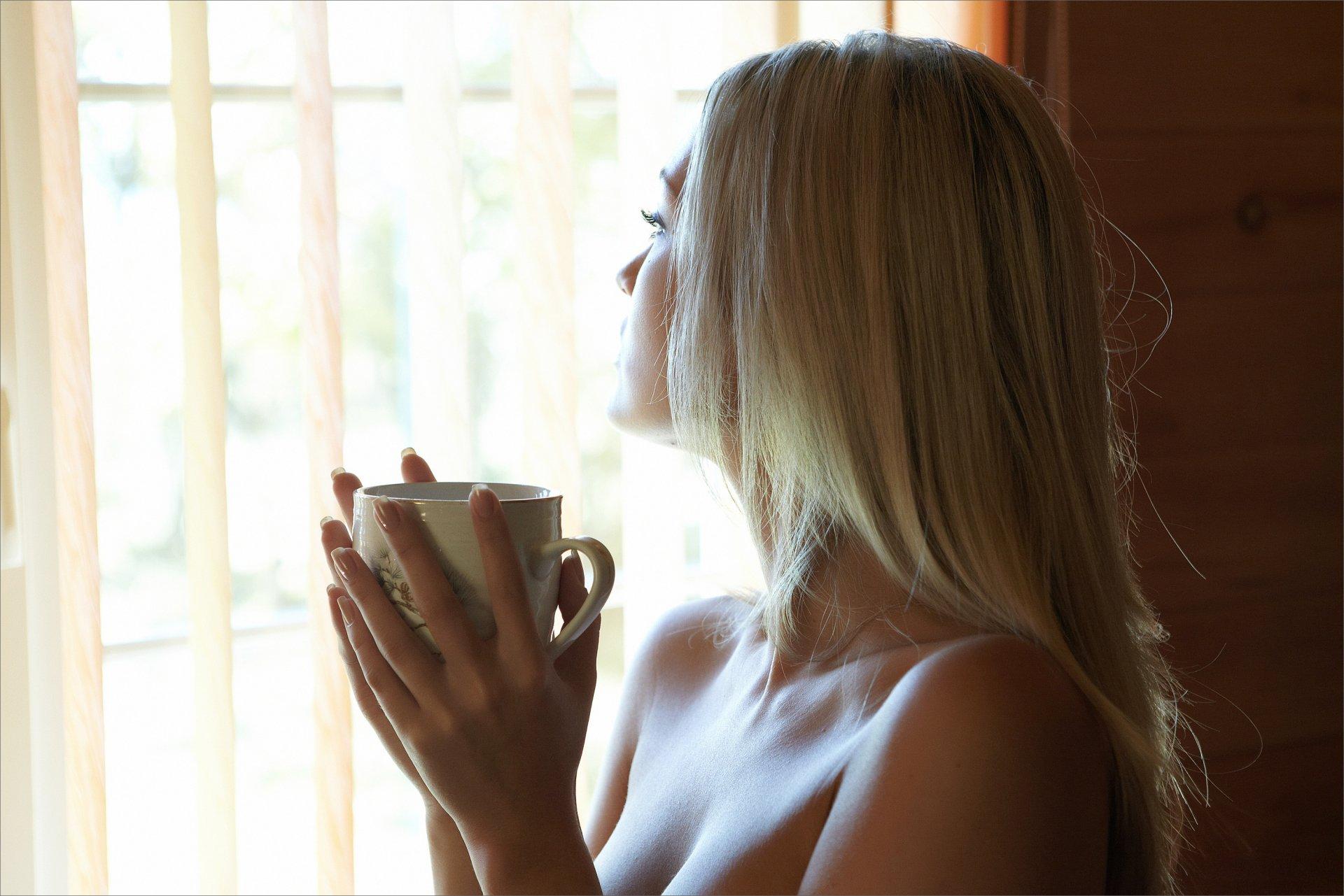 Картинки девушки блондинки без лица, класс открытки ручной
