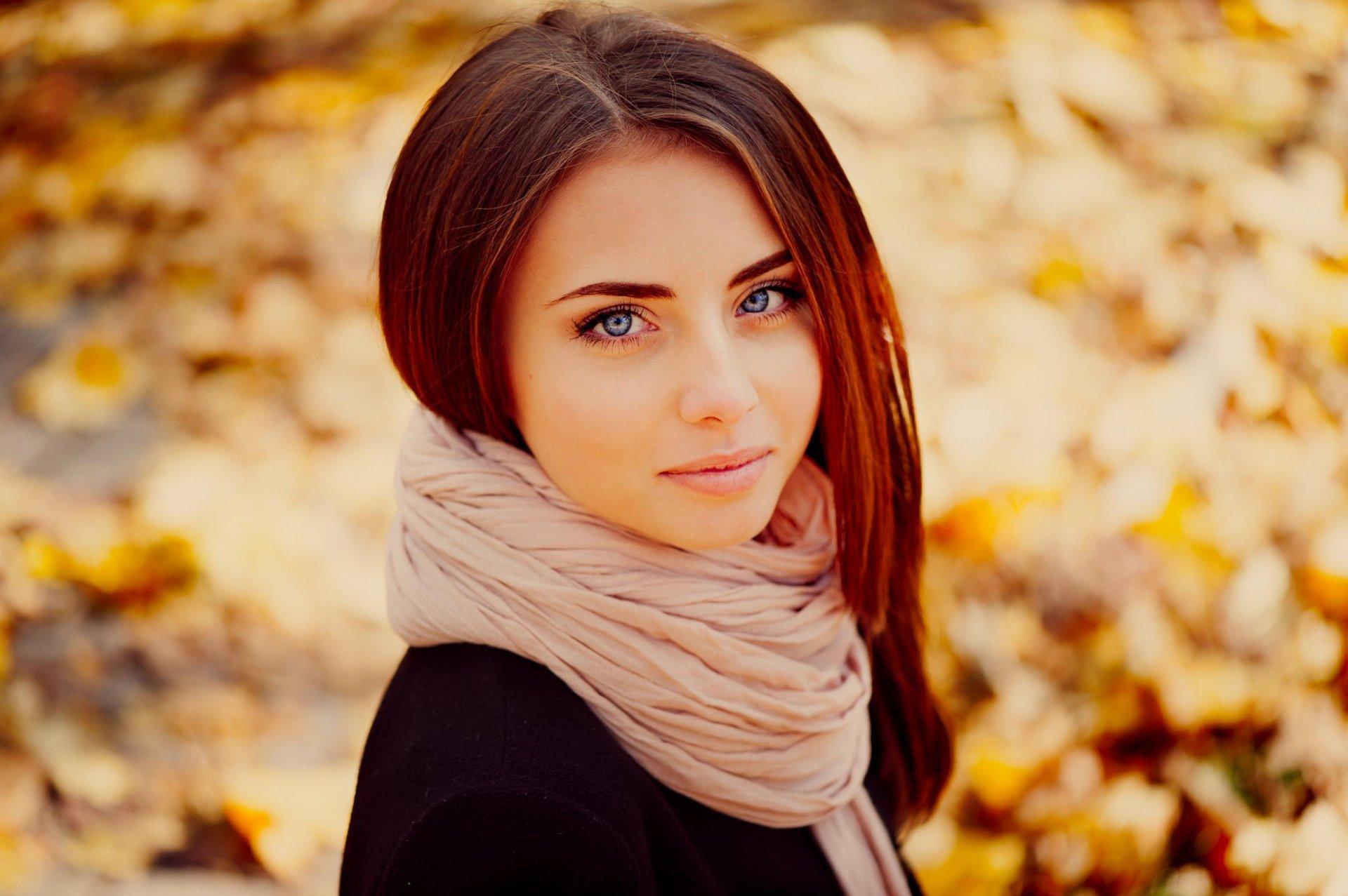 найти красивую девушку с фотками