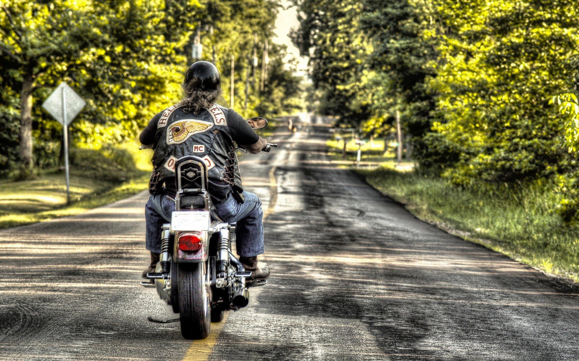 картинки мотоциклист на дороге говорить стилягах