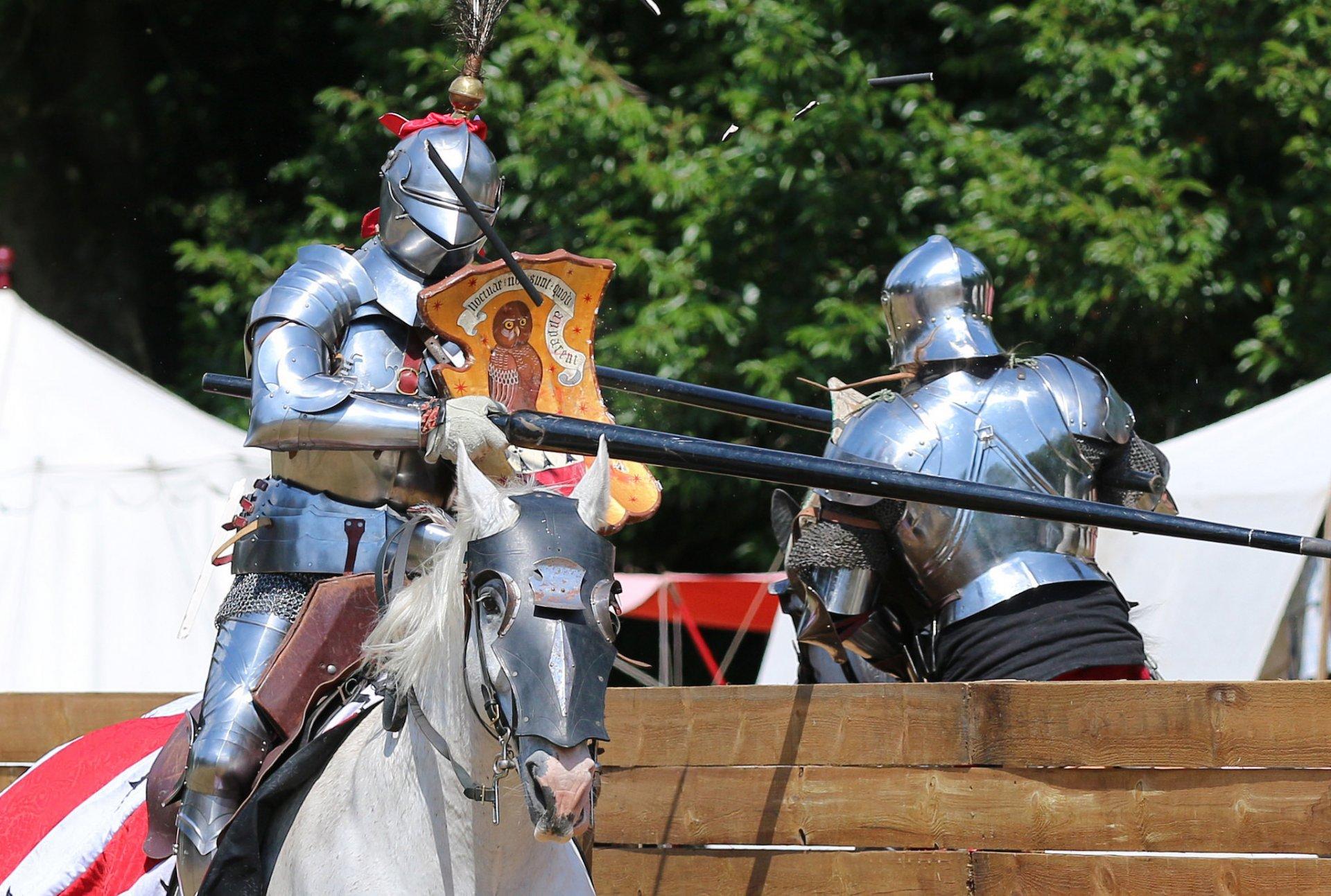 Обои доспехи, Рыцарь, лошадь. Разное foto 9