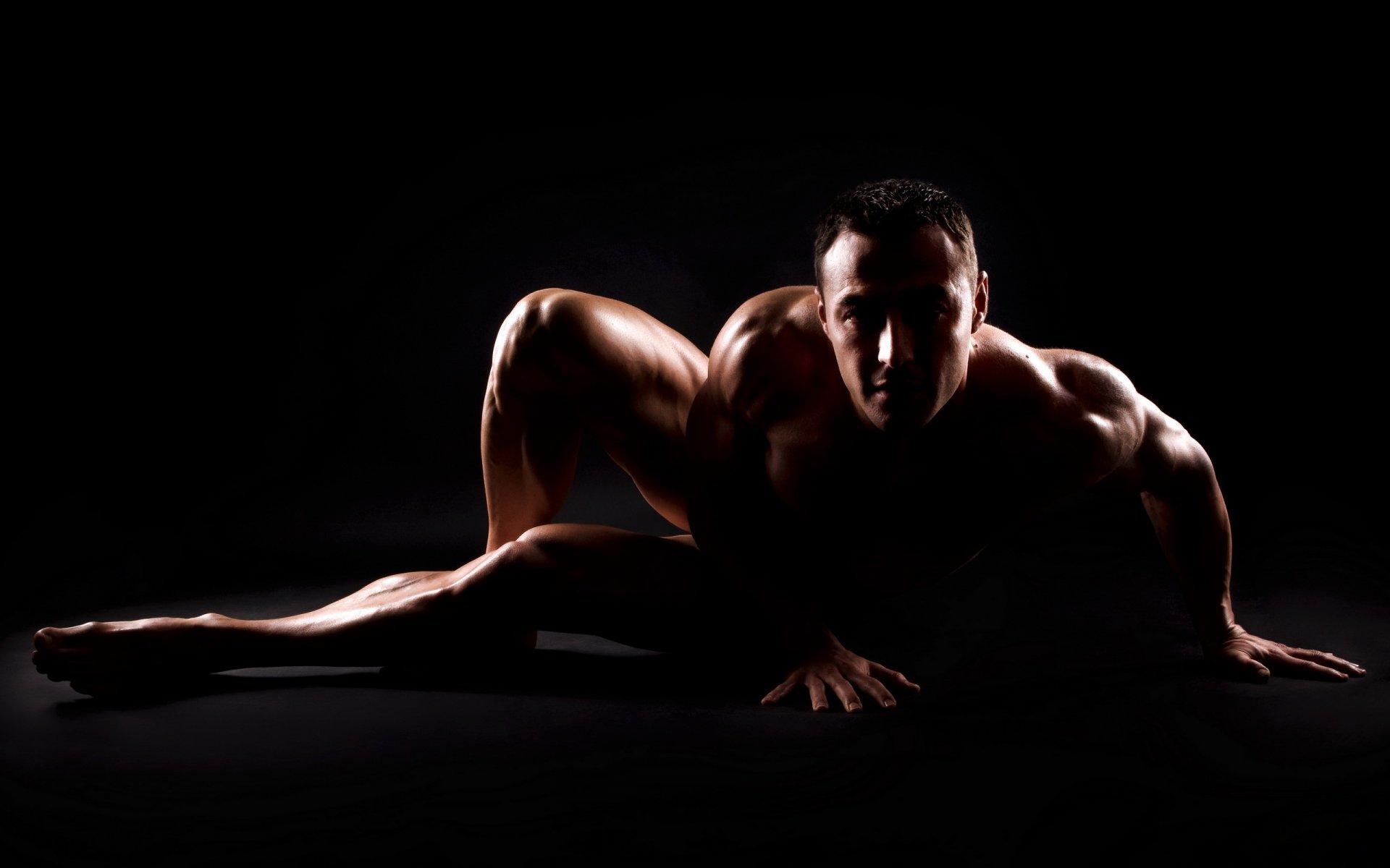 Фото голый человек девушка принимаю