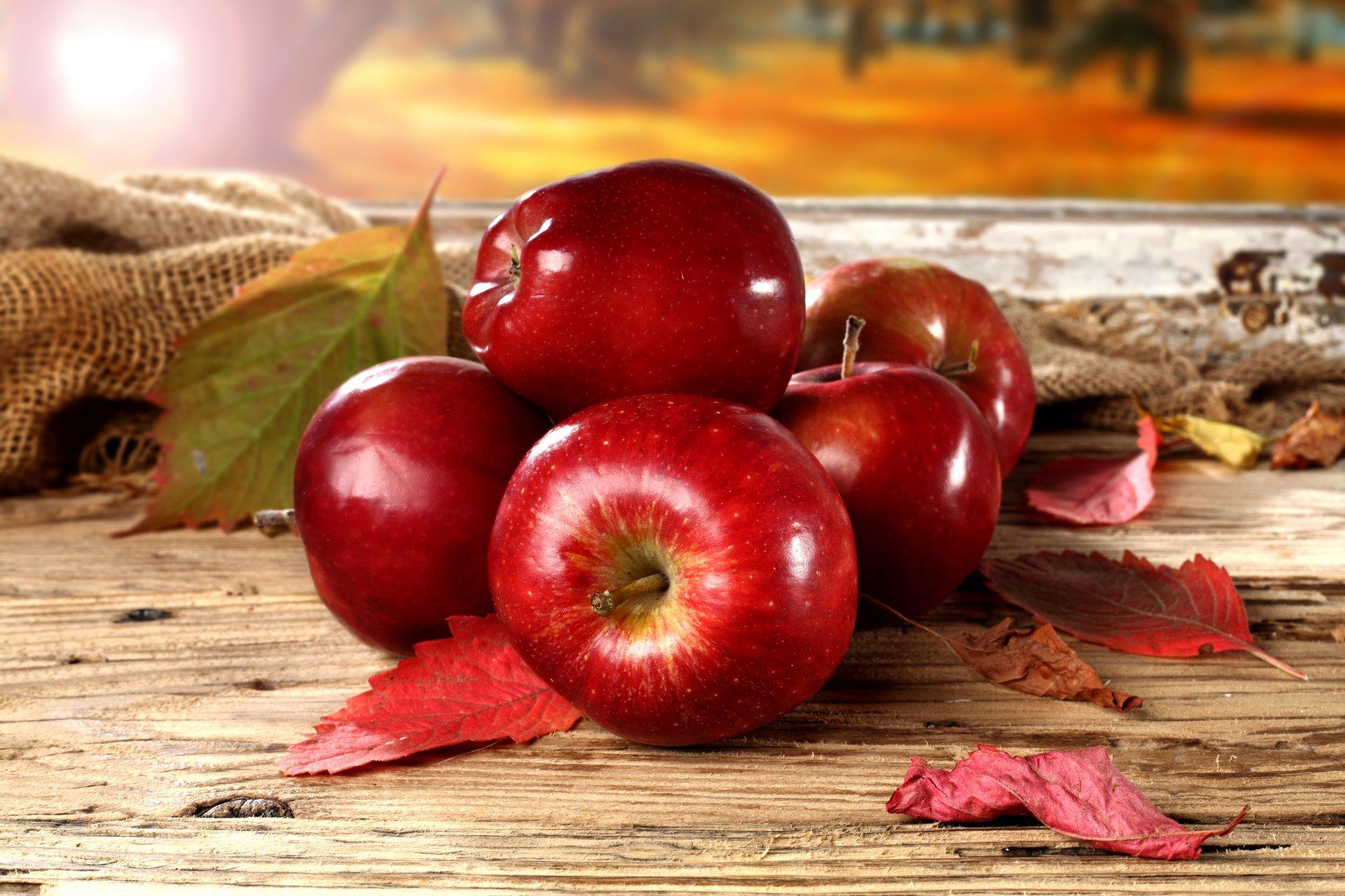 Картинка про яблоко красивая итоге художник