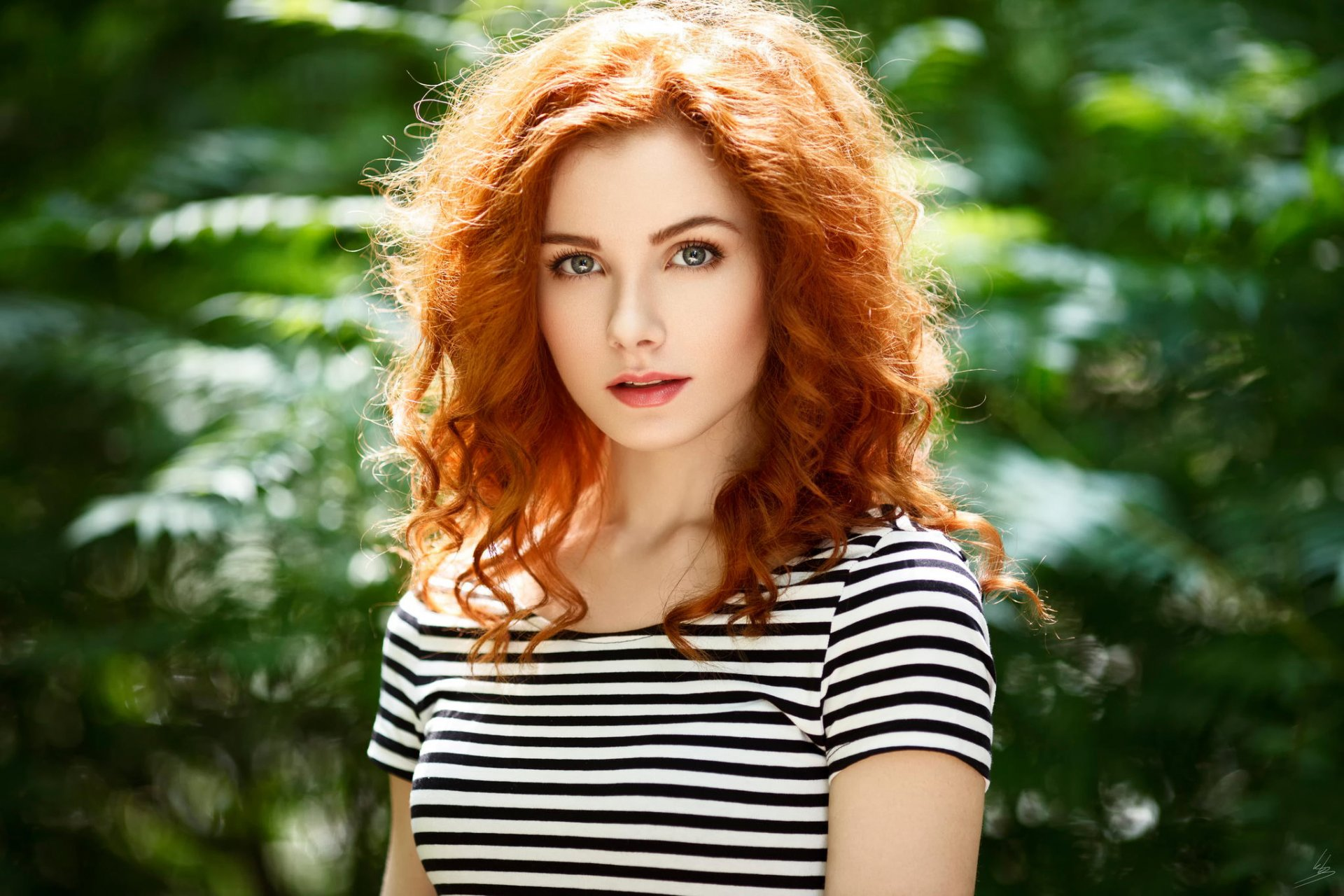 Фото самая красивая девушка рыжеволосая толстуху