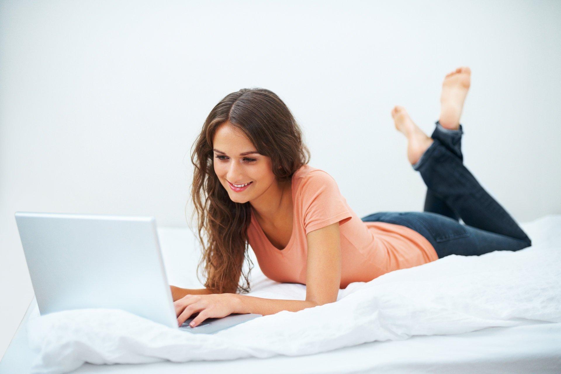 Чем девушке занимаешься знакомств сайт