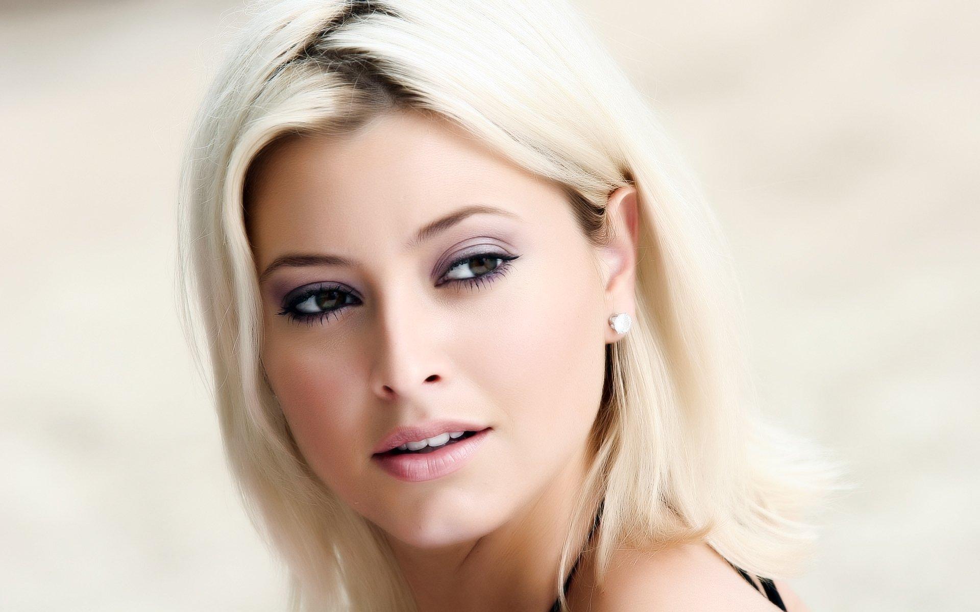 Фото блондинок кому за 40 лет, Самые красивые блондинки старше 40 лет 25 фотография