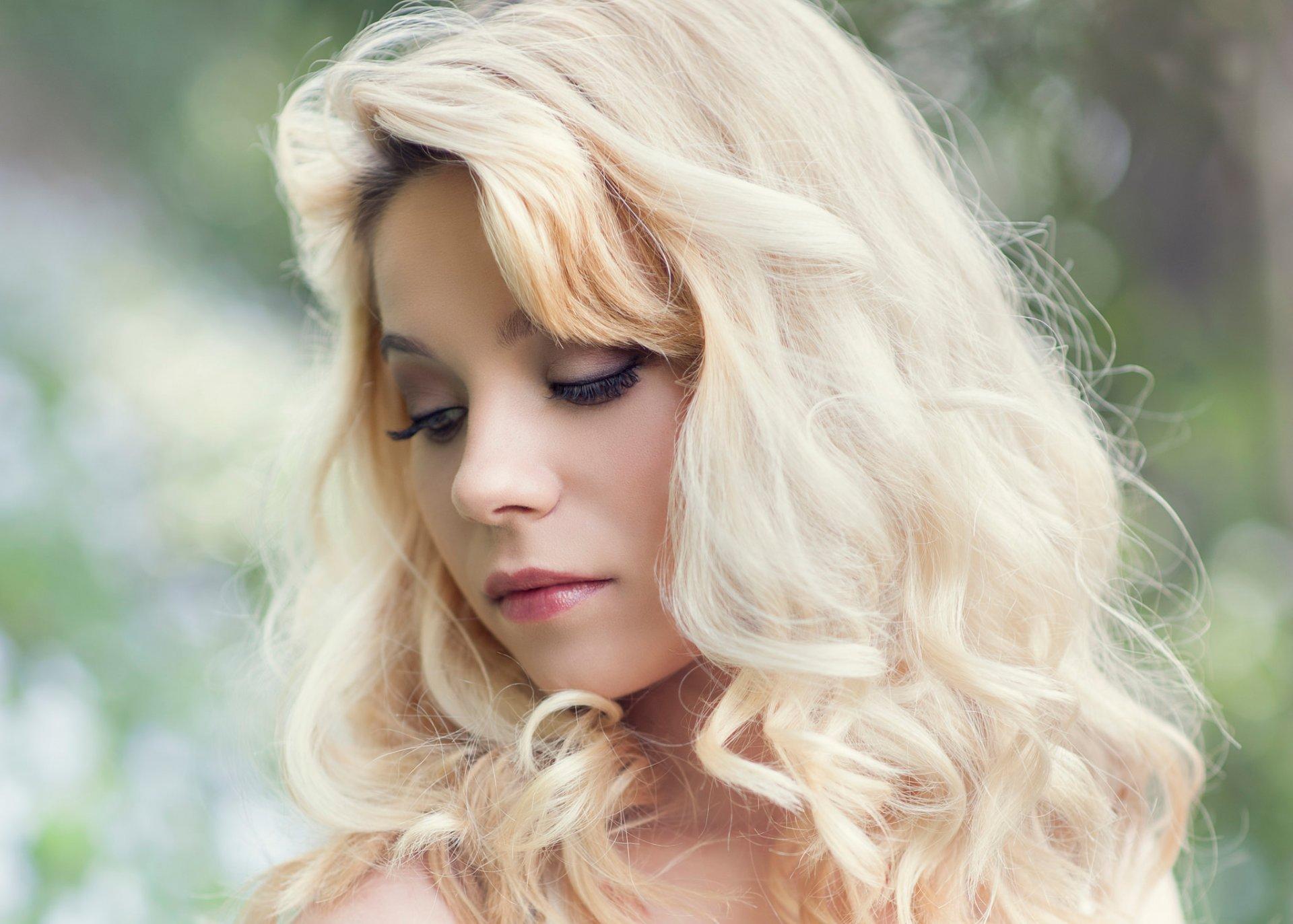 для красивые девушки блондинка с волнистыми волосами разные эпохи жили