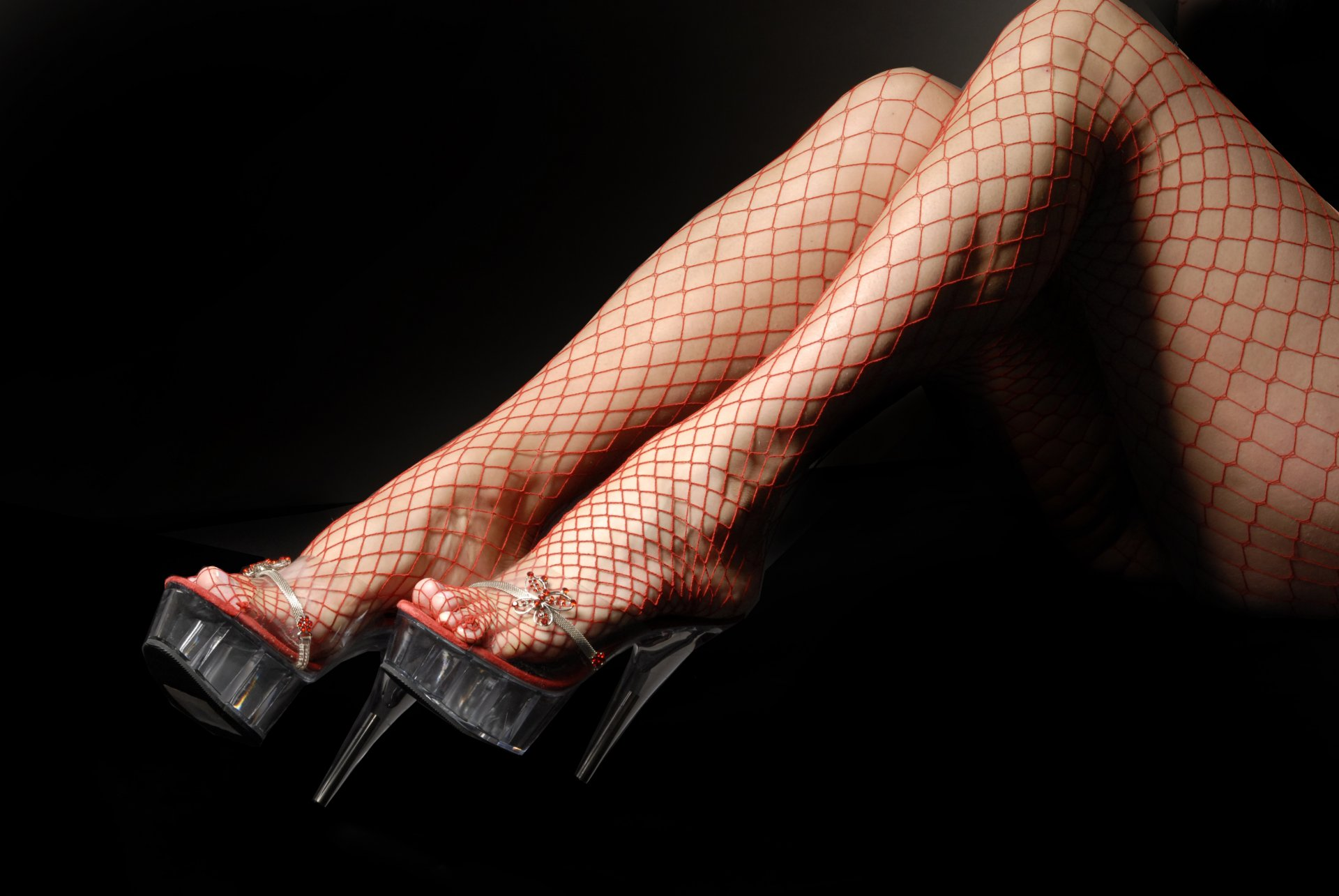 Женские стопы в чулках и колготках фото, смотрим там где девки голые раздеваются