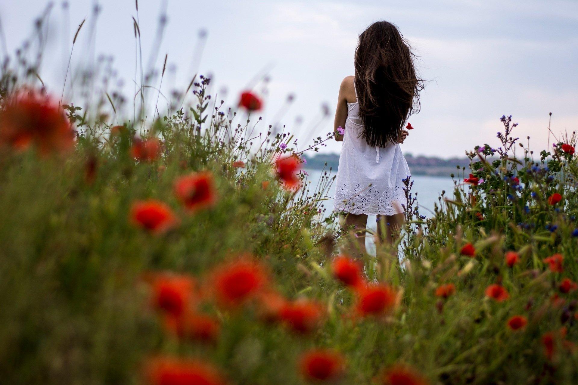 Позы для красивое фото со спины девушки девушка требует