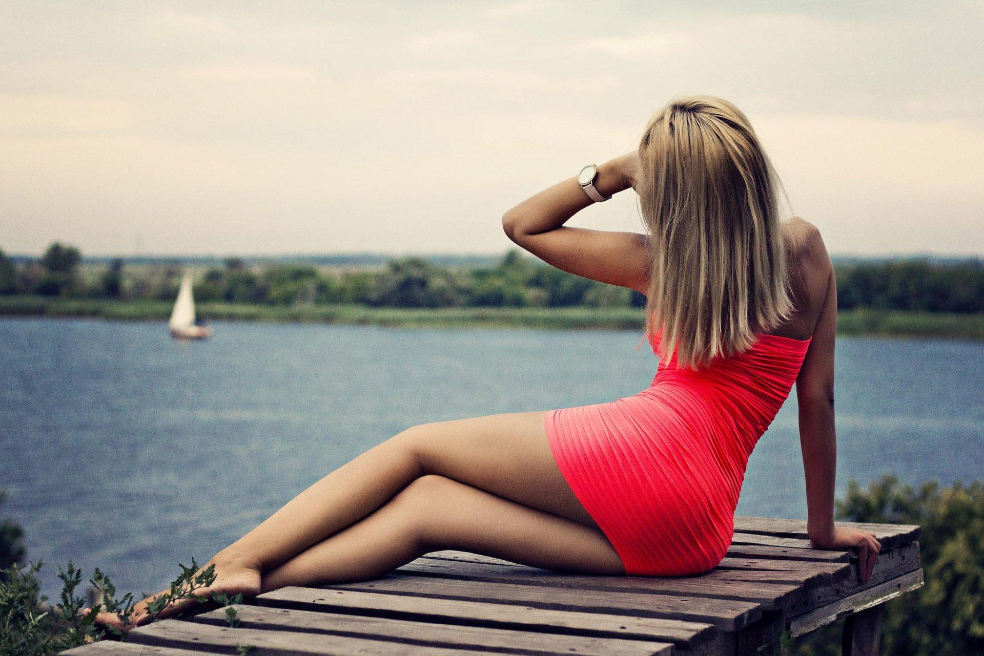 Фото попки блондинки #1