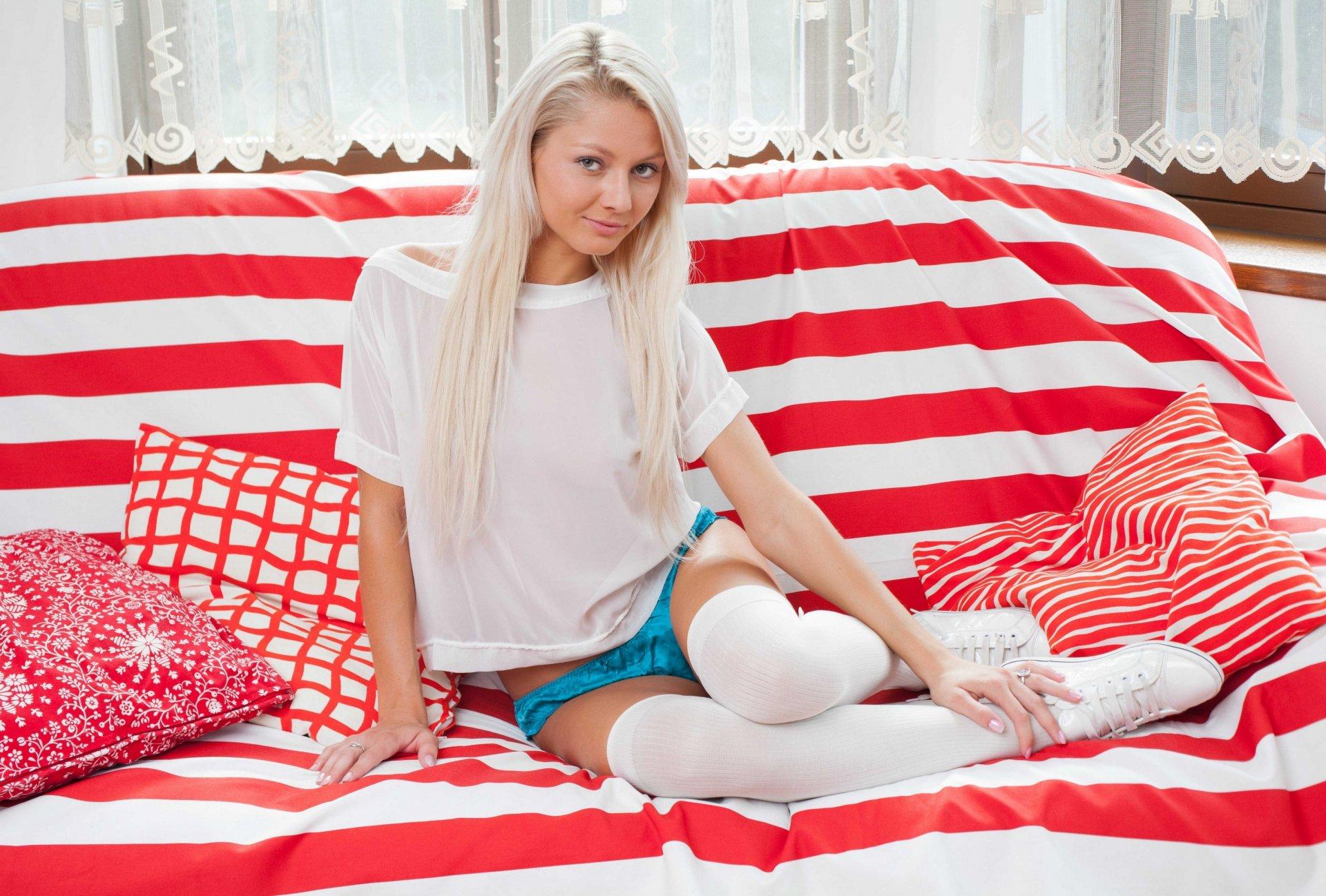 russkoe-porno-s-molodenkoy-blondinkoy