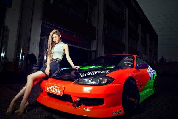 Азиатки и машины nissan