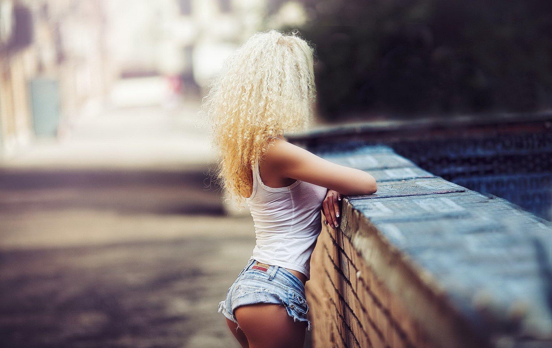 Картинка блондинки без лица, фоны