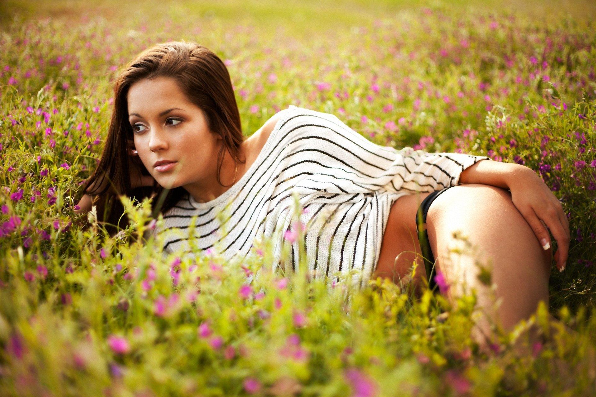 Горячие девушки на природе фото — img 13