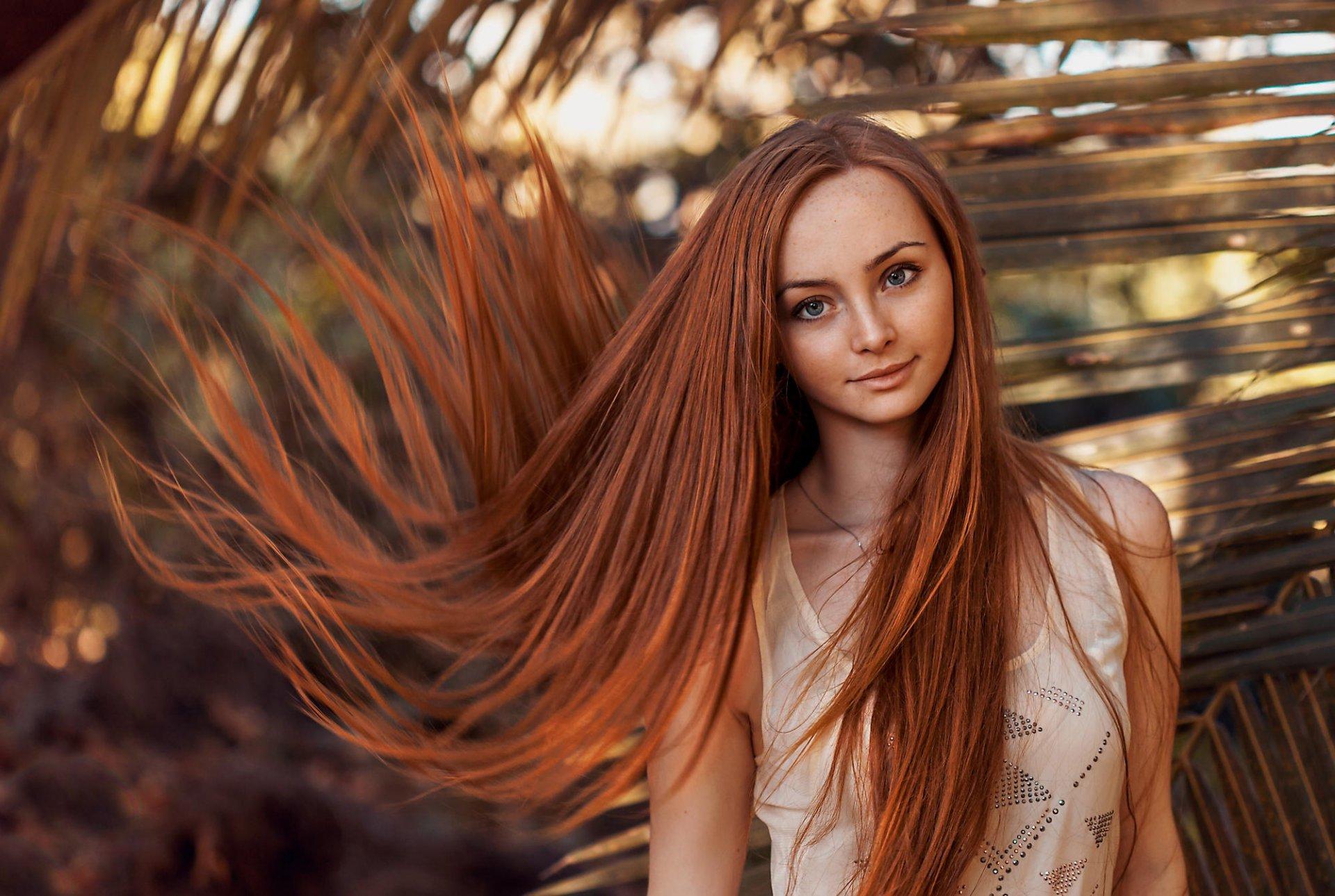 Фото красивый девушка с длинным волосами