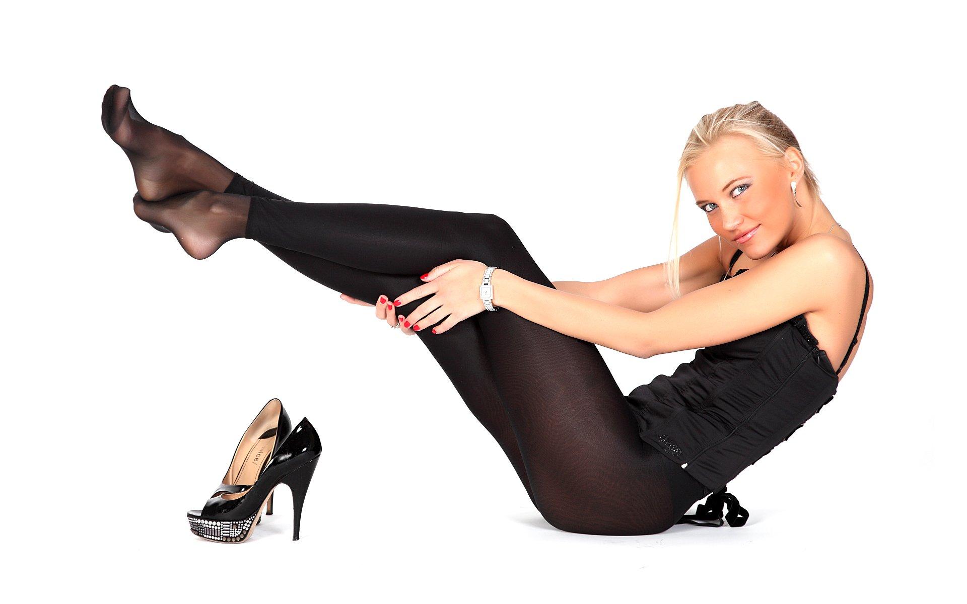 ножки черных колготках стива
