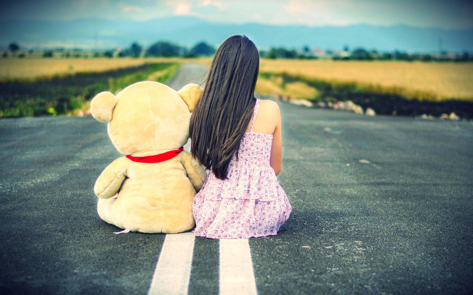 девушка медведь плюшевый  № 351156 бесплатно