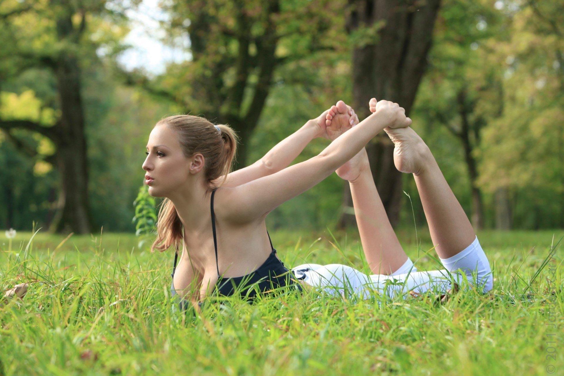 Yoga enthusiasts Melody Jordan  № 1606118 загрузить