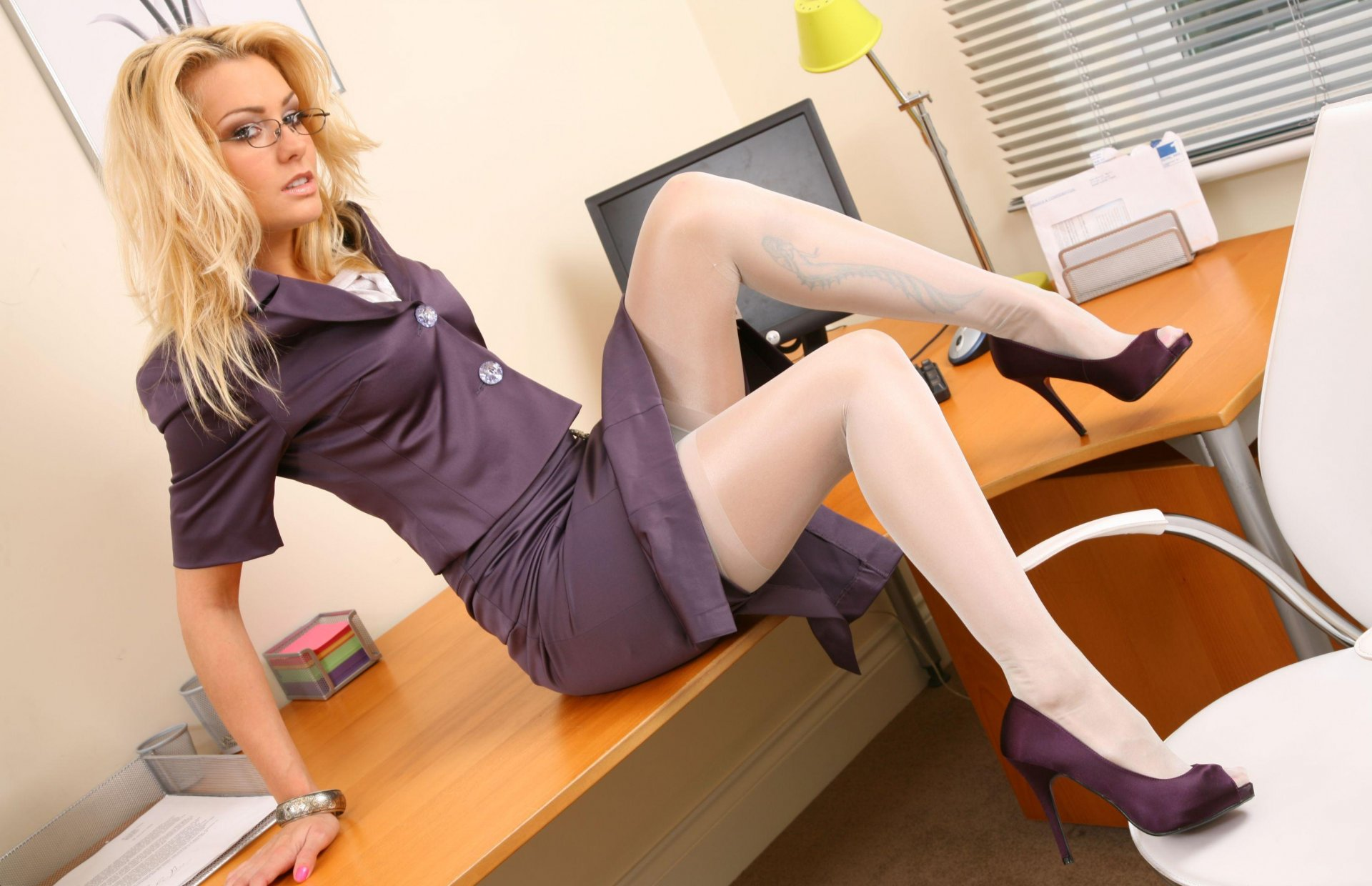 Housewife gets hot girl in the office playing woth