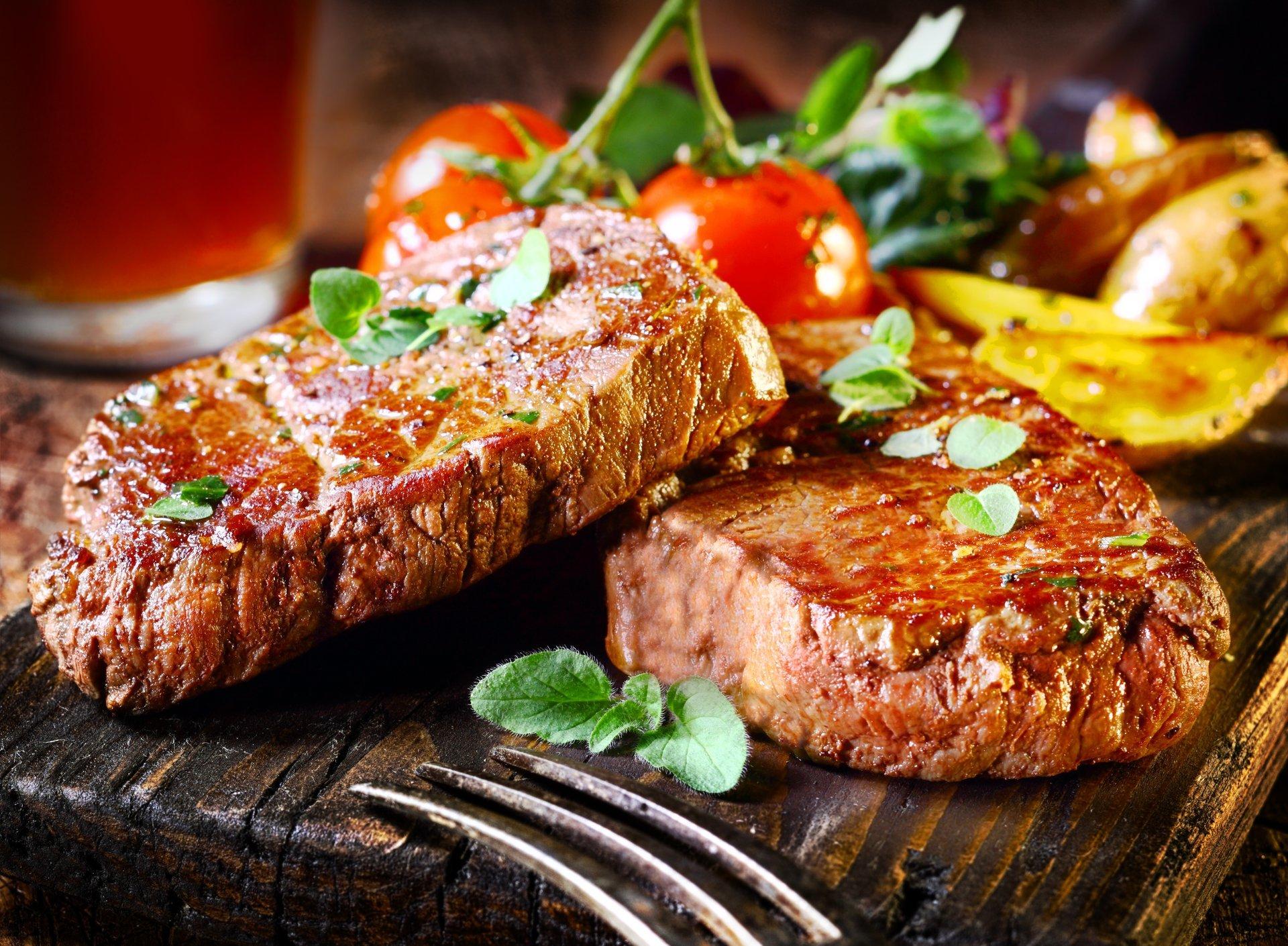 в какой стране можно съесть стейк приготовленный над жерлом