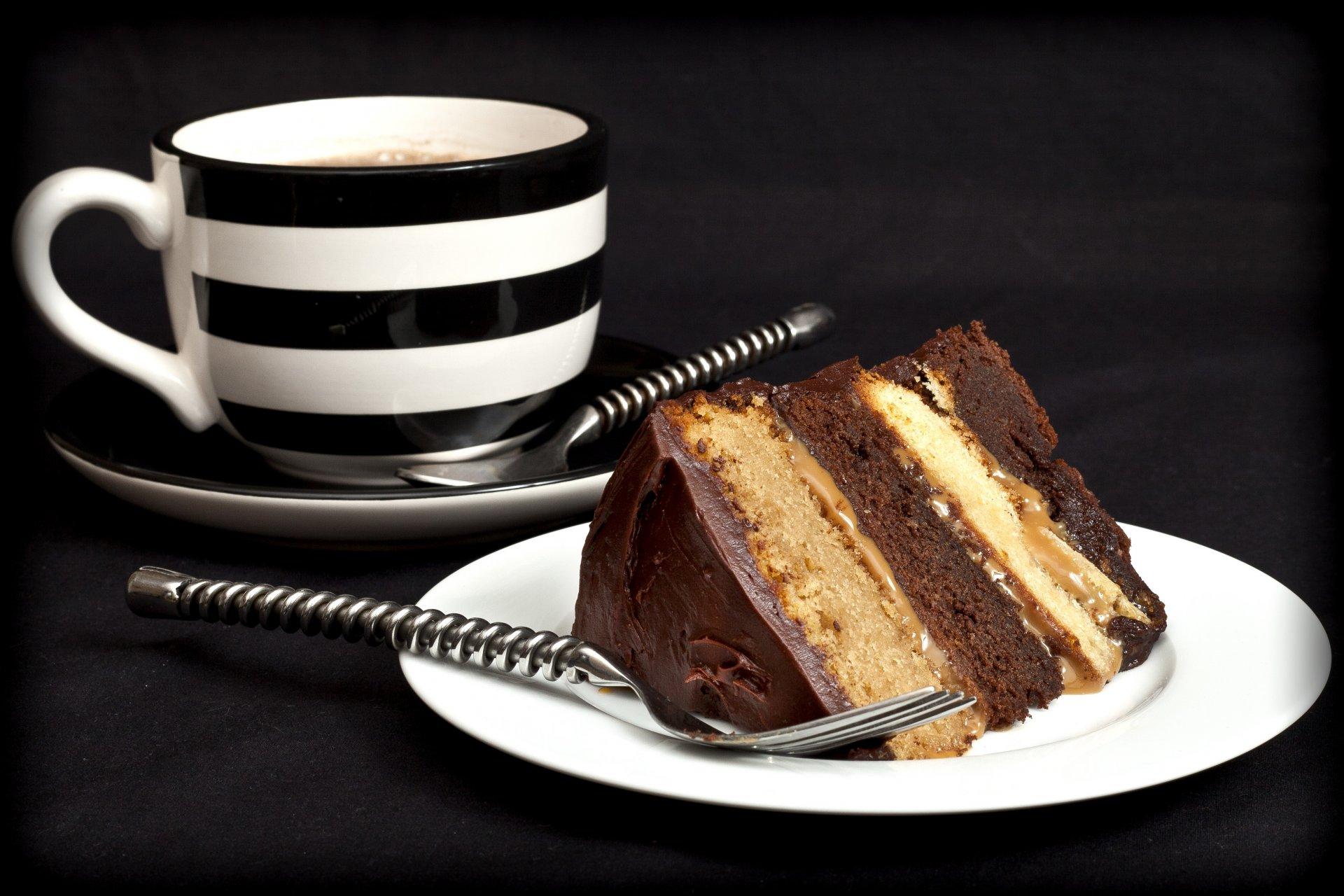 младшего возраста чай и кусочек торта картинки родители недавно погибли
