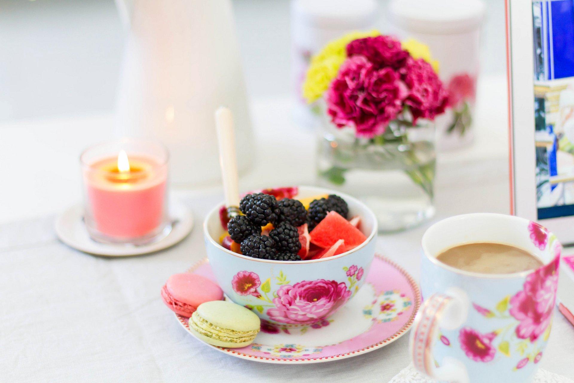 Яркие красочные картинки с добрым утром, день рождения воспитателя