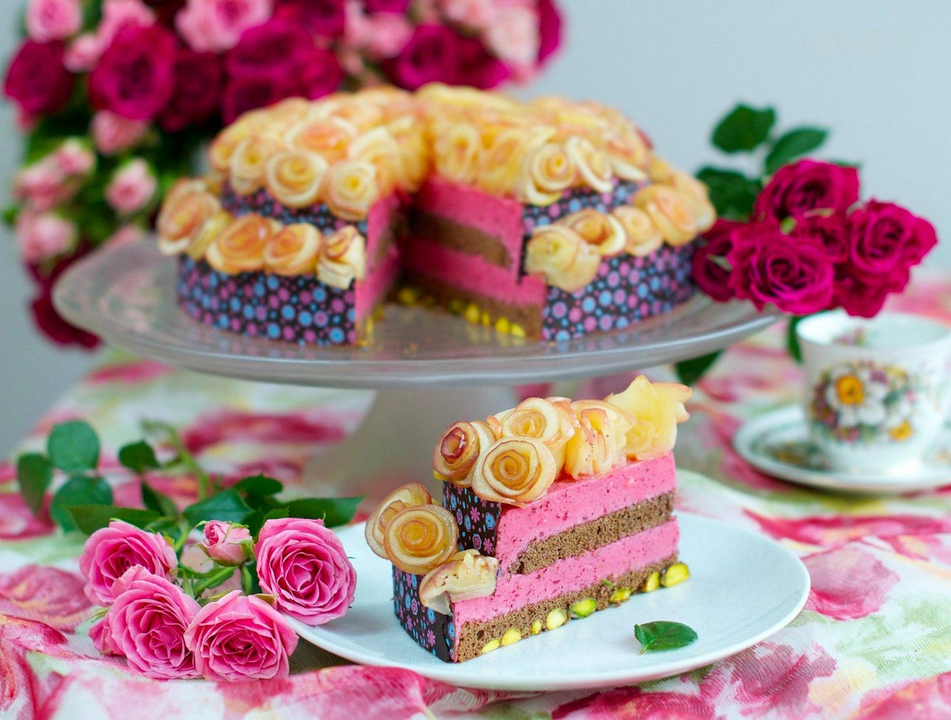 Надписью, открытки с днем рождения женщине красивые торт и цветы