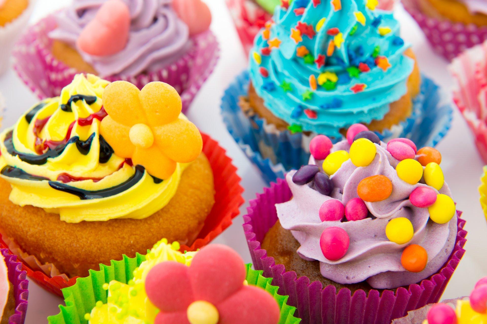 Картинки с тортиками и конфетами, кишинев открытки