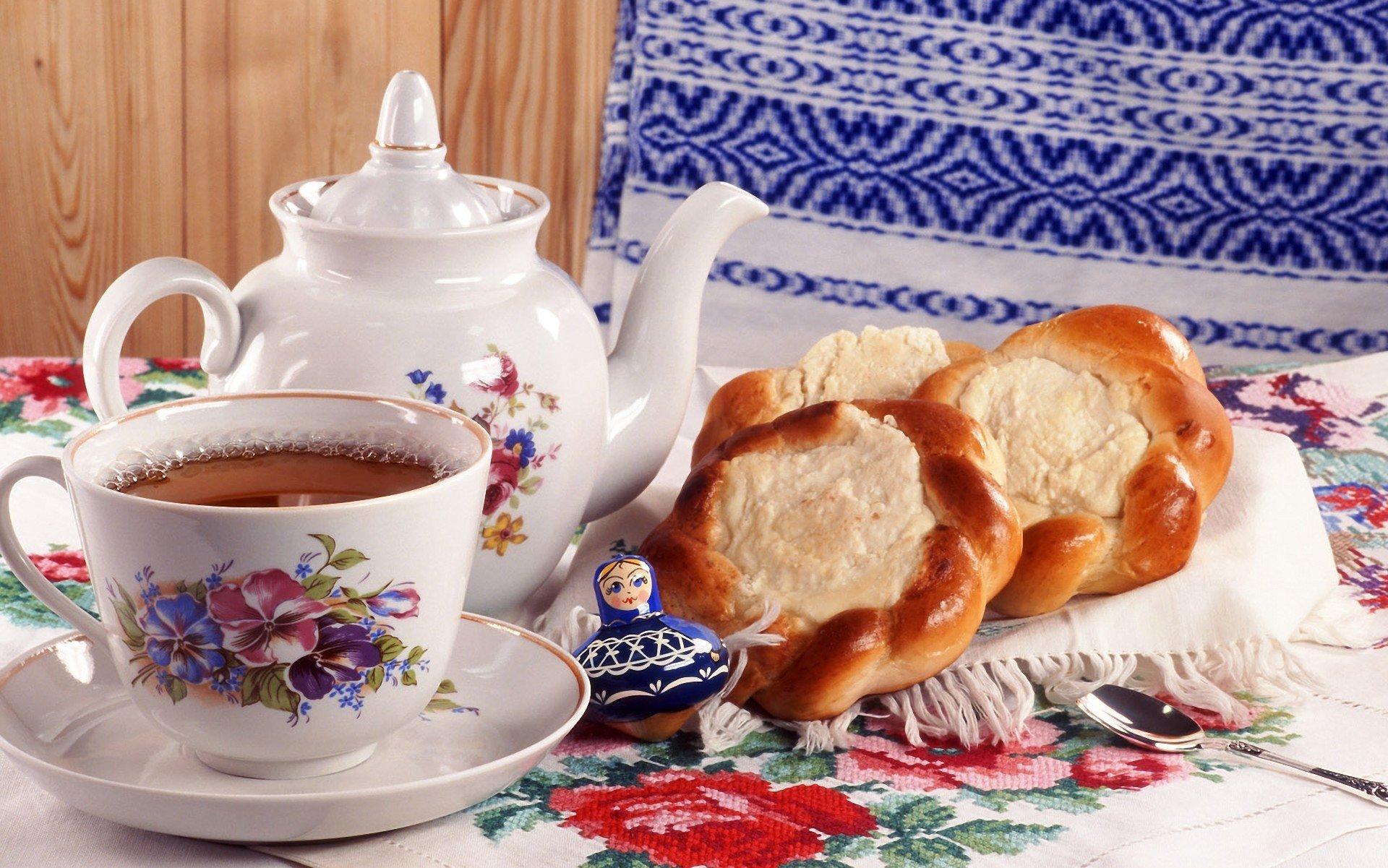 хлеб чай кружка чайник масло  № 2118848 загрузить