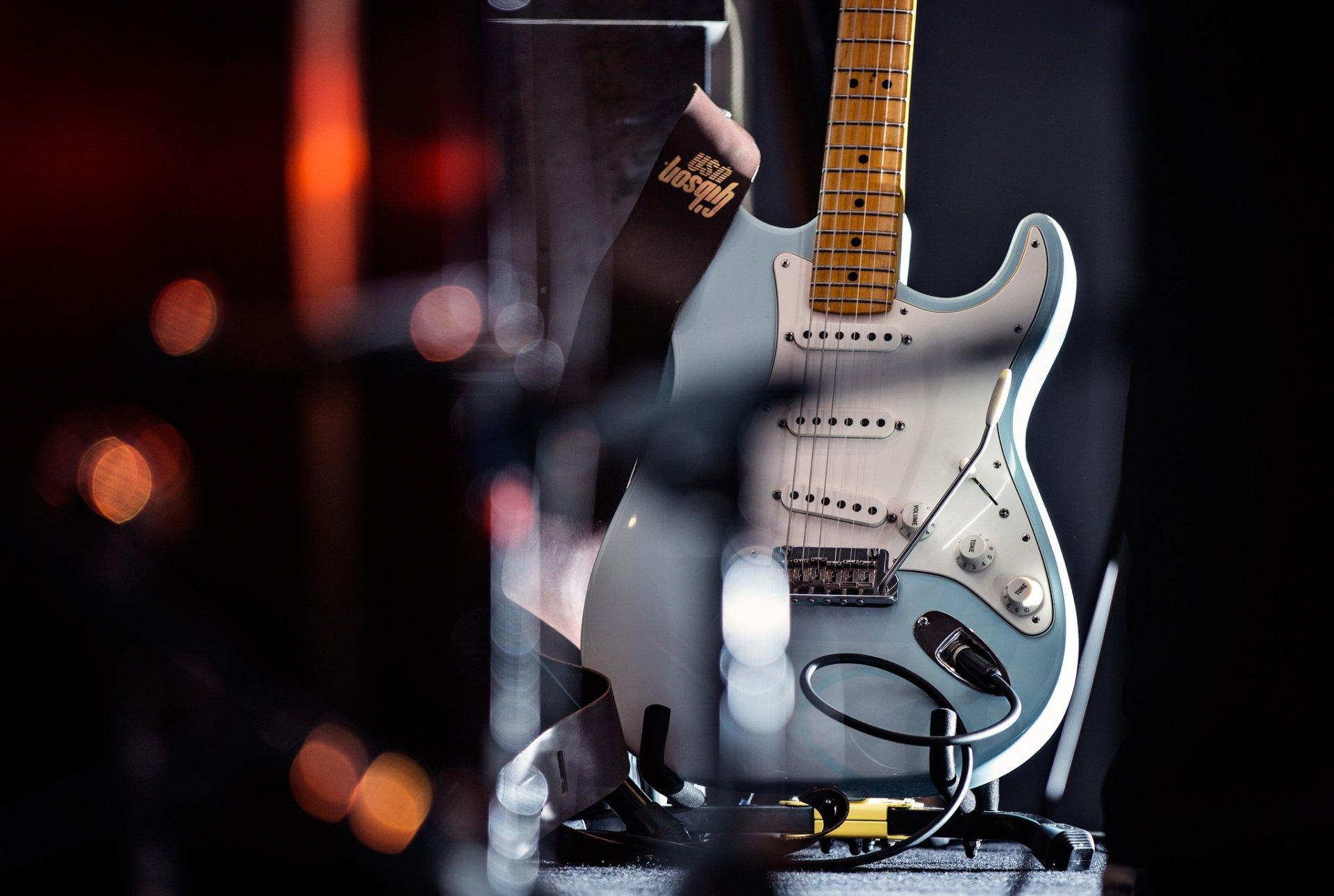 ходе картинки рок гитара на рабочий стол потрепанный