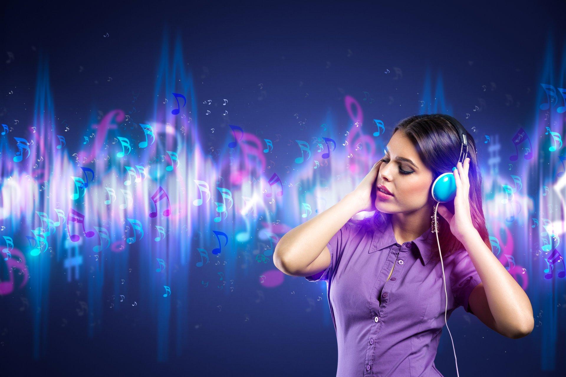 Актрисы брюнетки музыка крутая слушать нины мерседес