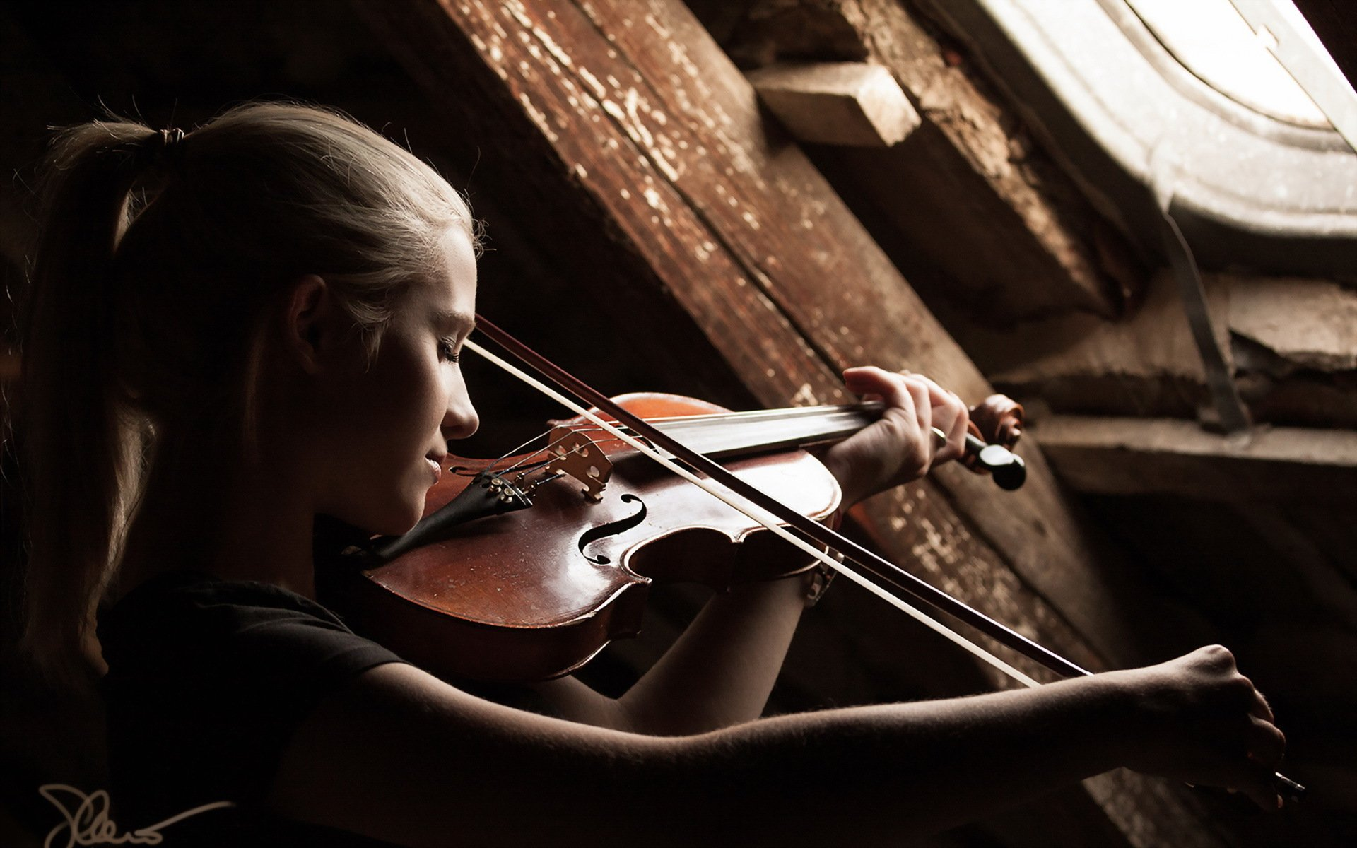 Im a 24 year old adult beginner from Norway and I wanted to see if it was possible to learn to play the violin as an adult This is the first instrument