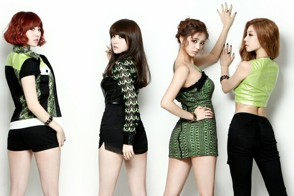 Girl's Day Kpop Music Singers Asian Korean Girls Sexy Girl Band Beauty White
