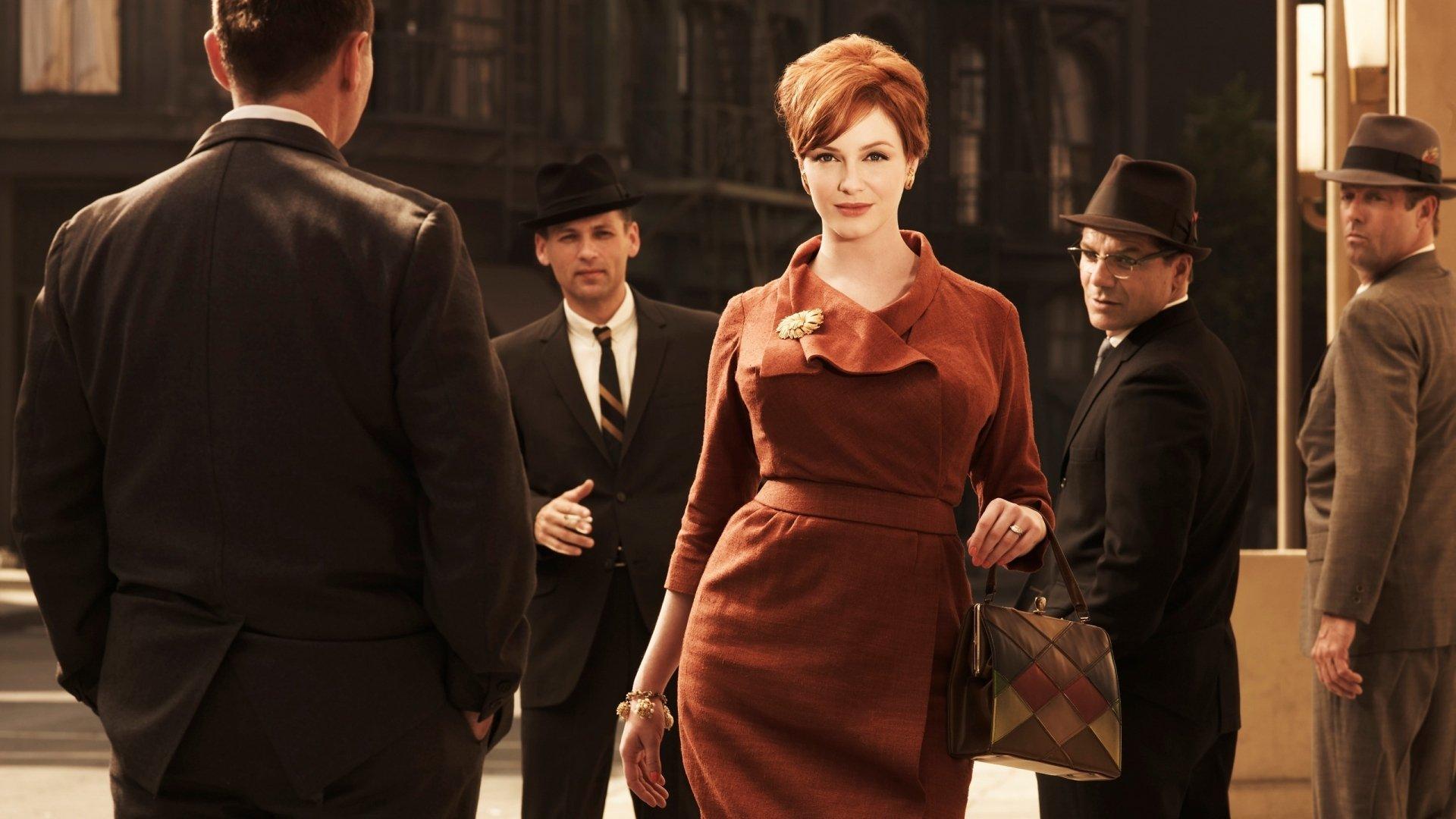 Почему мужики в восторге от деловых дам?