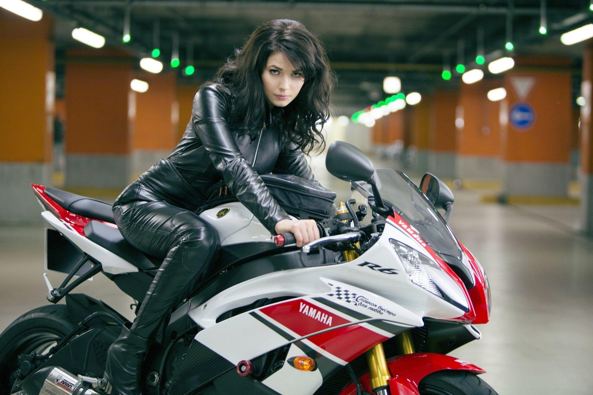 Сексуальный мотоциклист