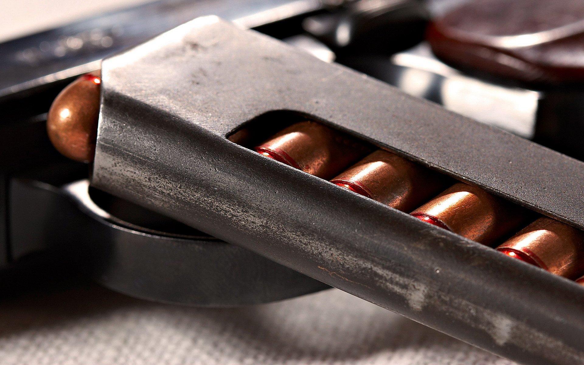 пистолет обойма патроны  № 3460127 загрузить