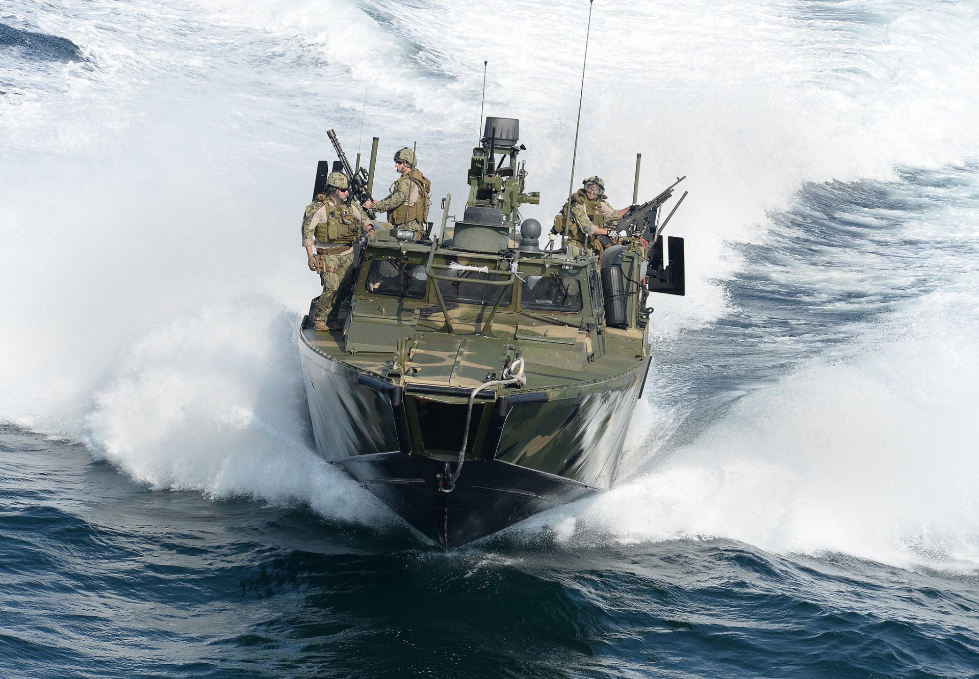 rcb морская командная лодка солдаты оружие волны HD обои ...