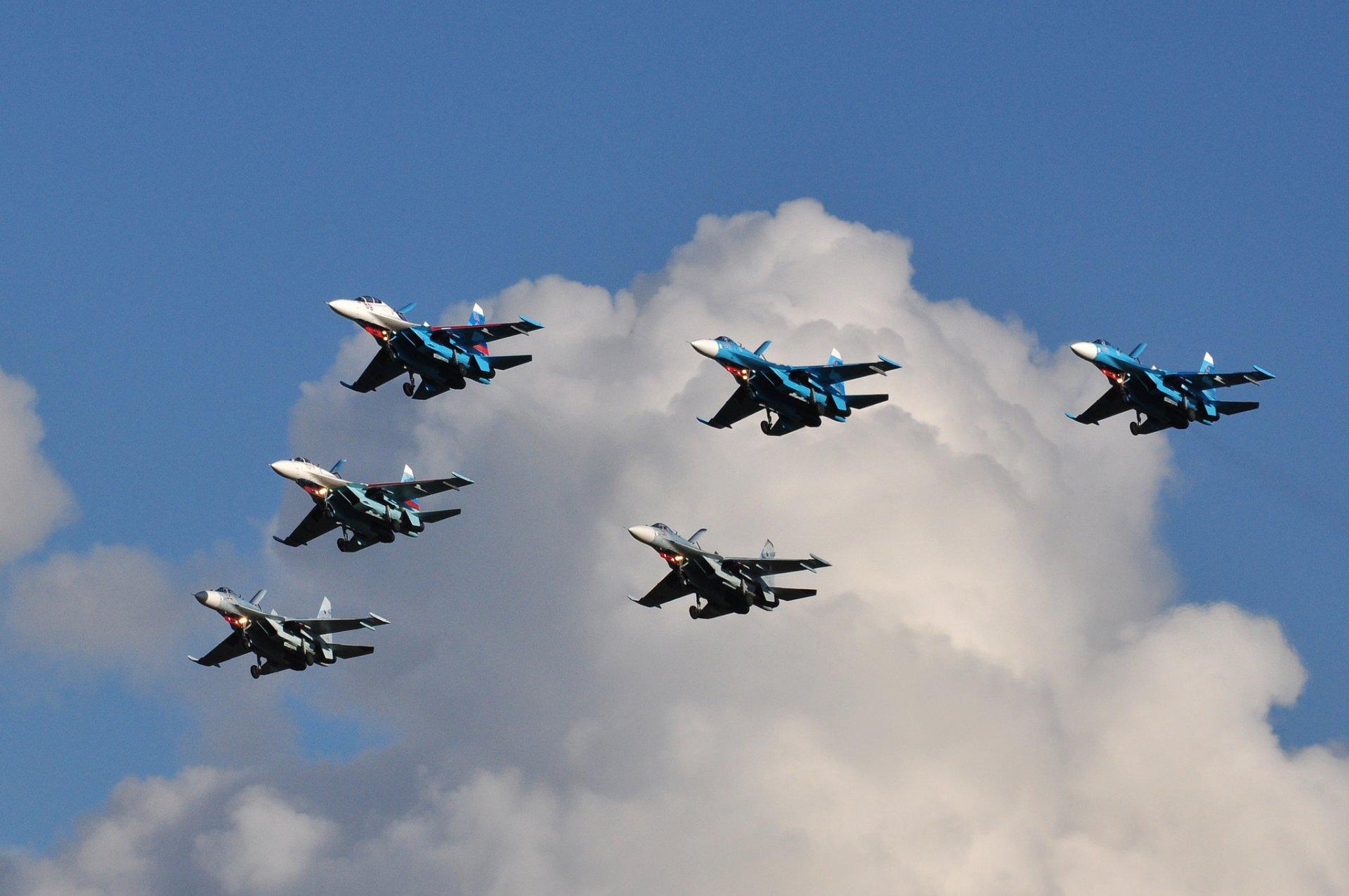 Фотографии боевых самолетов в воздухе