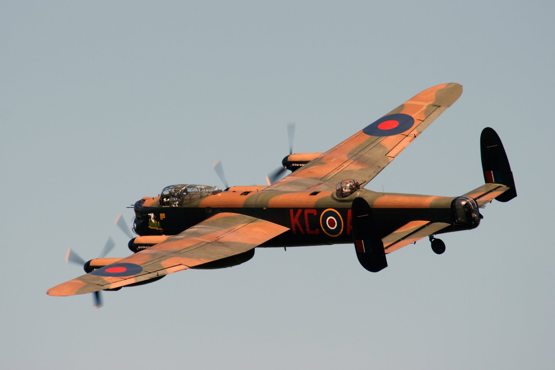 Обои avro lancaster, бомбардировщик, четырёхмоторный. Авиация foto 13