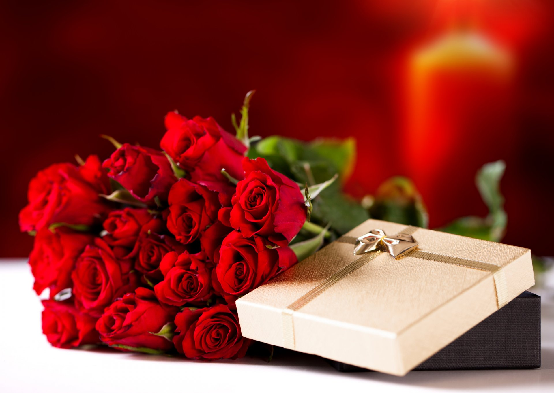 Открытка с розами на юбилей 586
