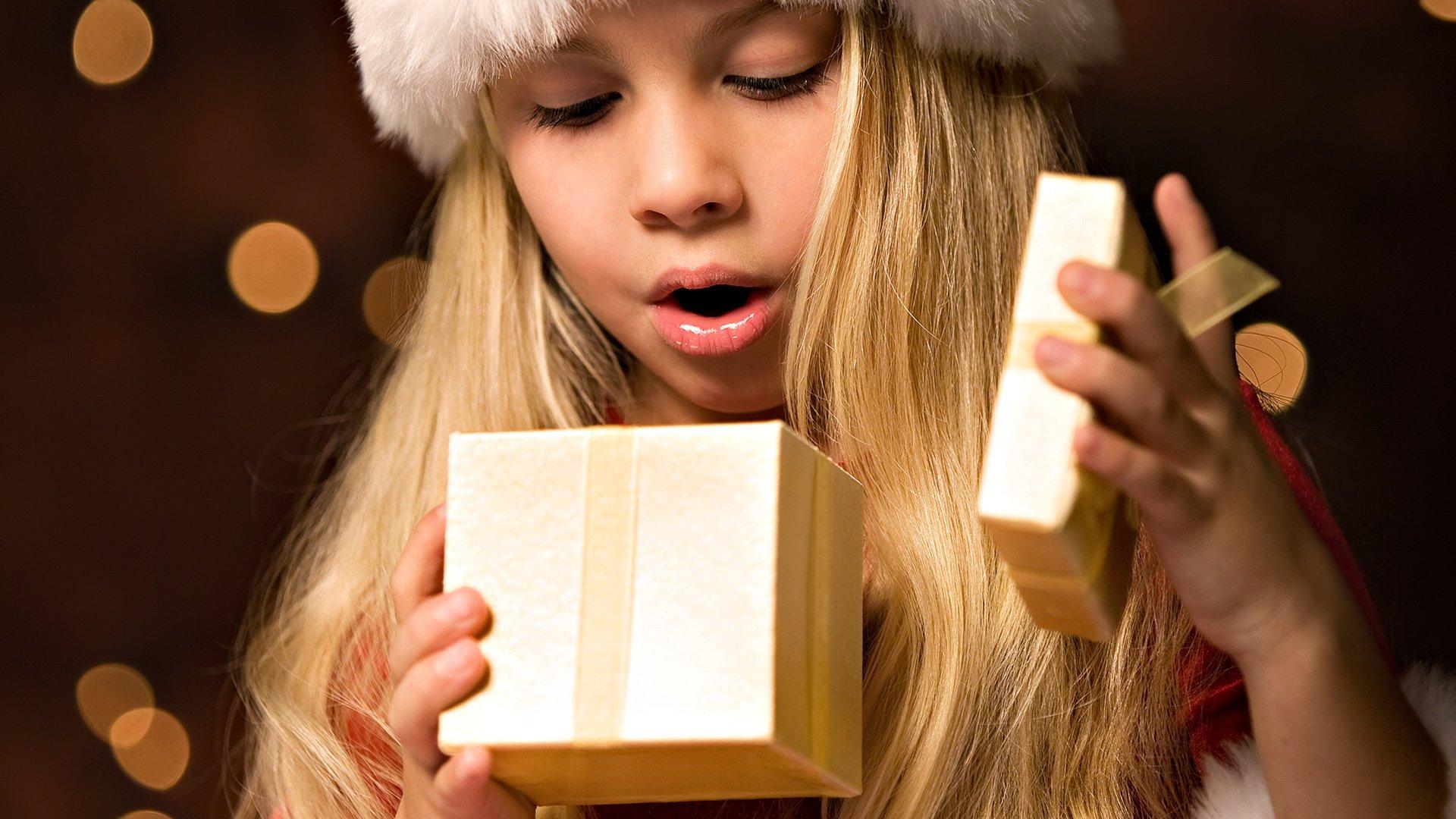 Три блондинки и подарок 35