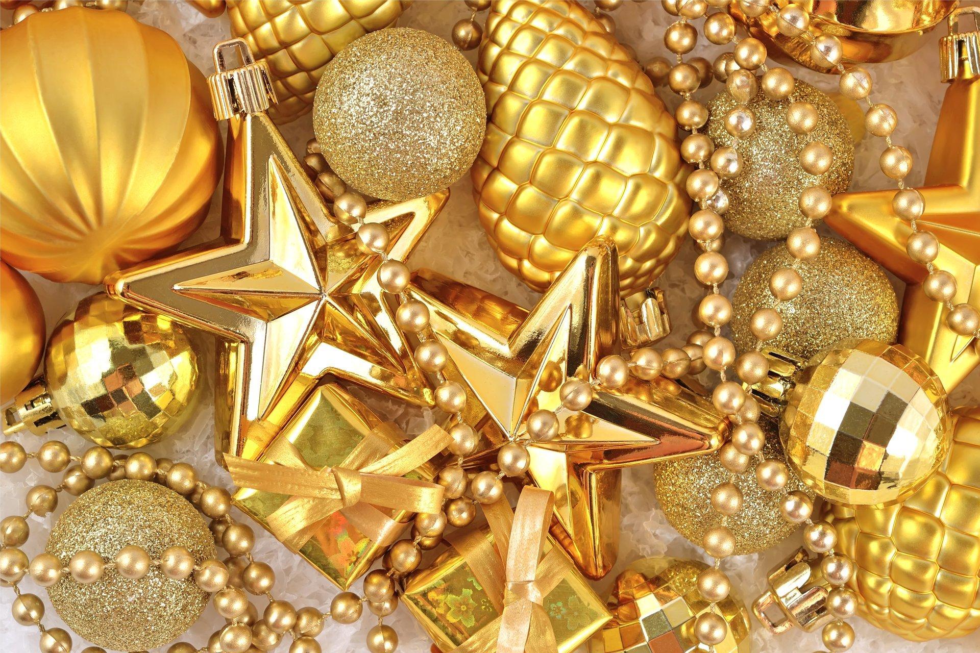 Золотая открытка с новым годом