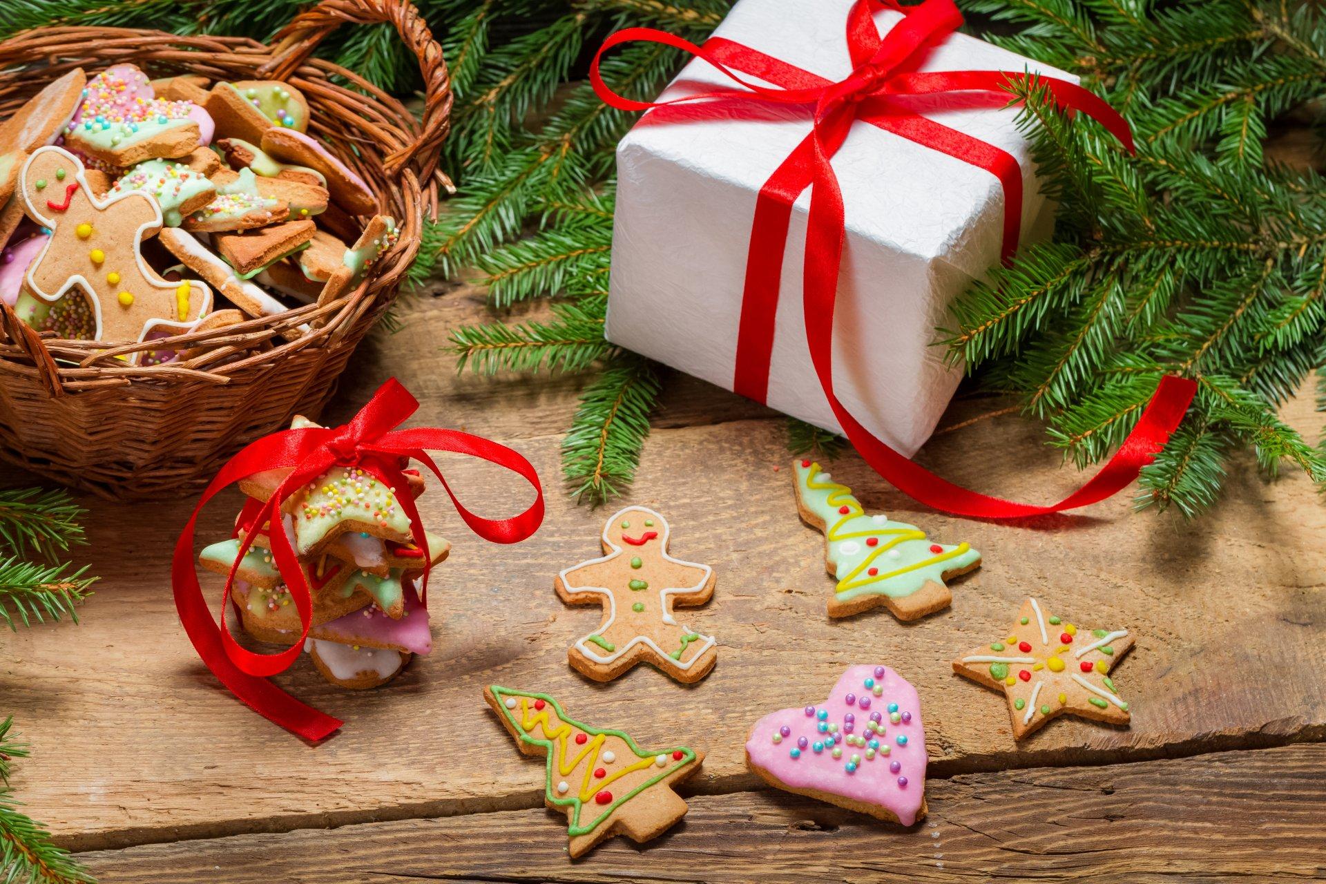 На рождество подарки