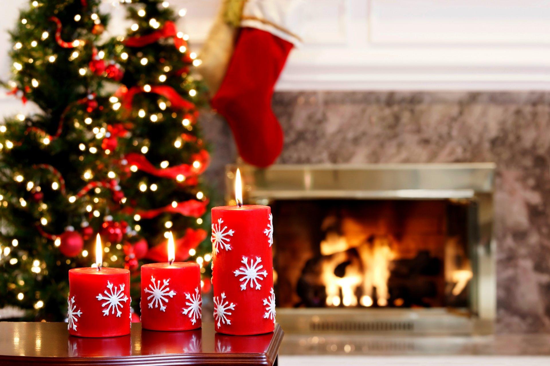 Новогодние яркие картинки елка и подарки, марта