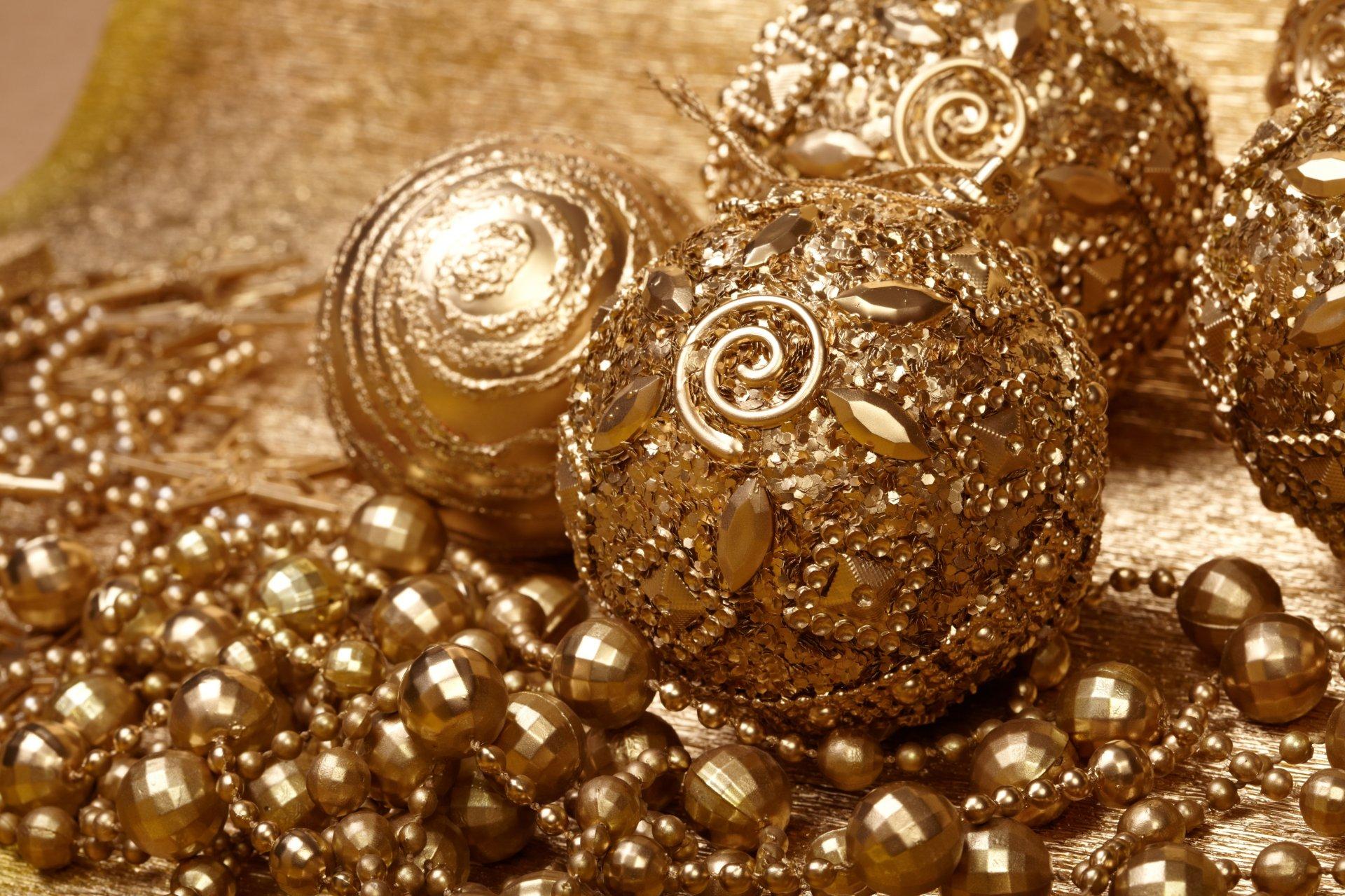 золотистые новогодние игрушки картинки такой сплав можно