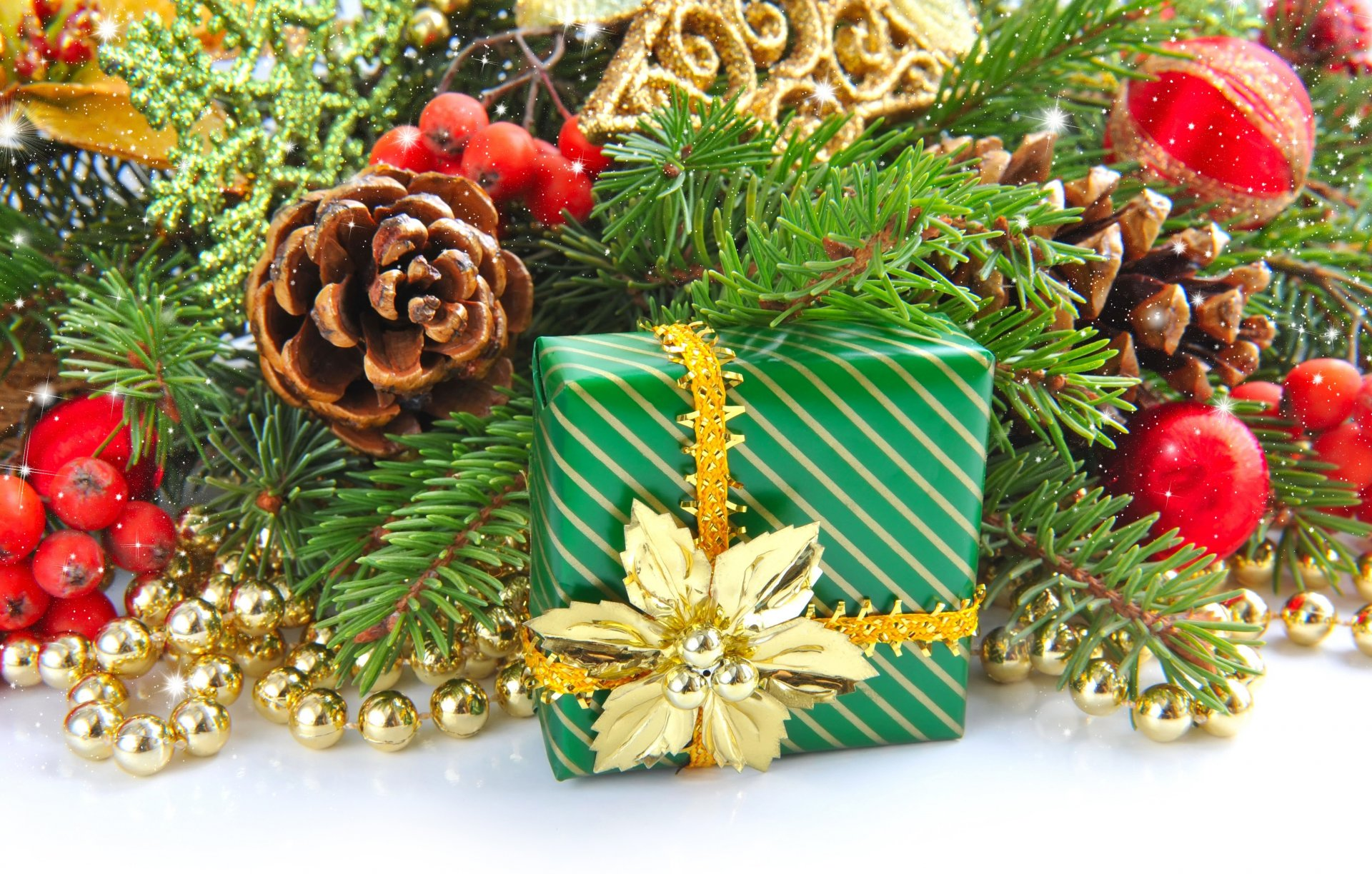 восемь, открытки для новогодних подарков представлены