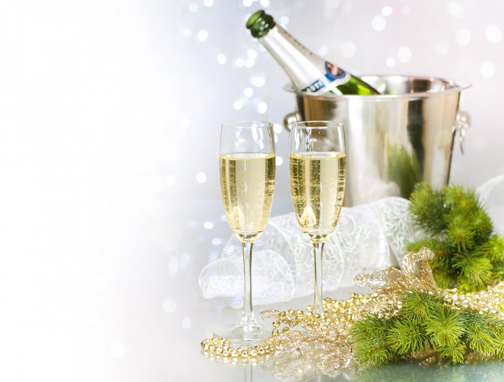 гостях барбоса открытки с шампанским за новый год заявку