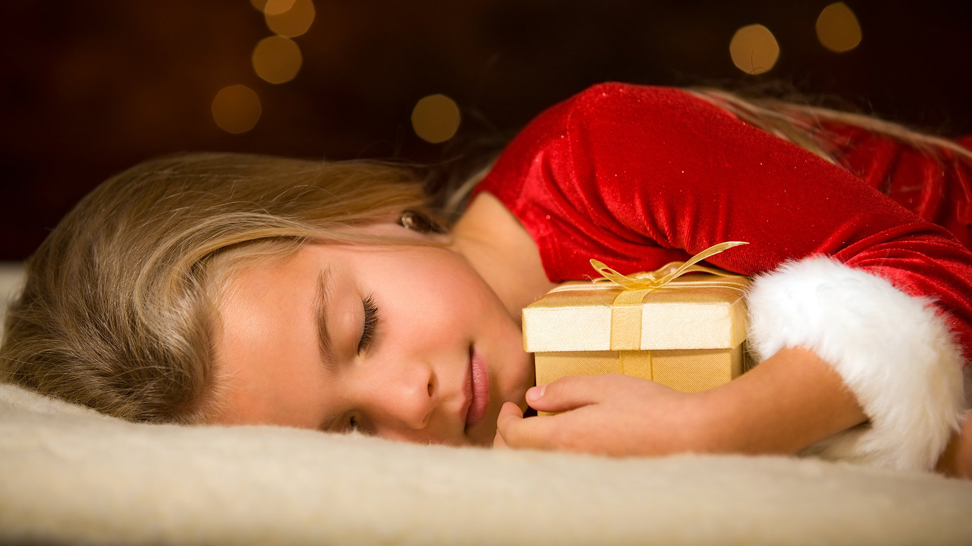 К чему снится бывший дарит подарок