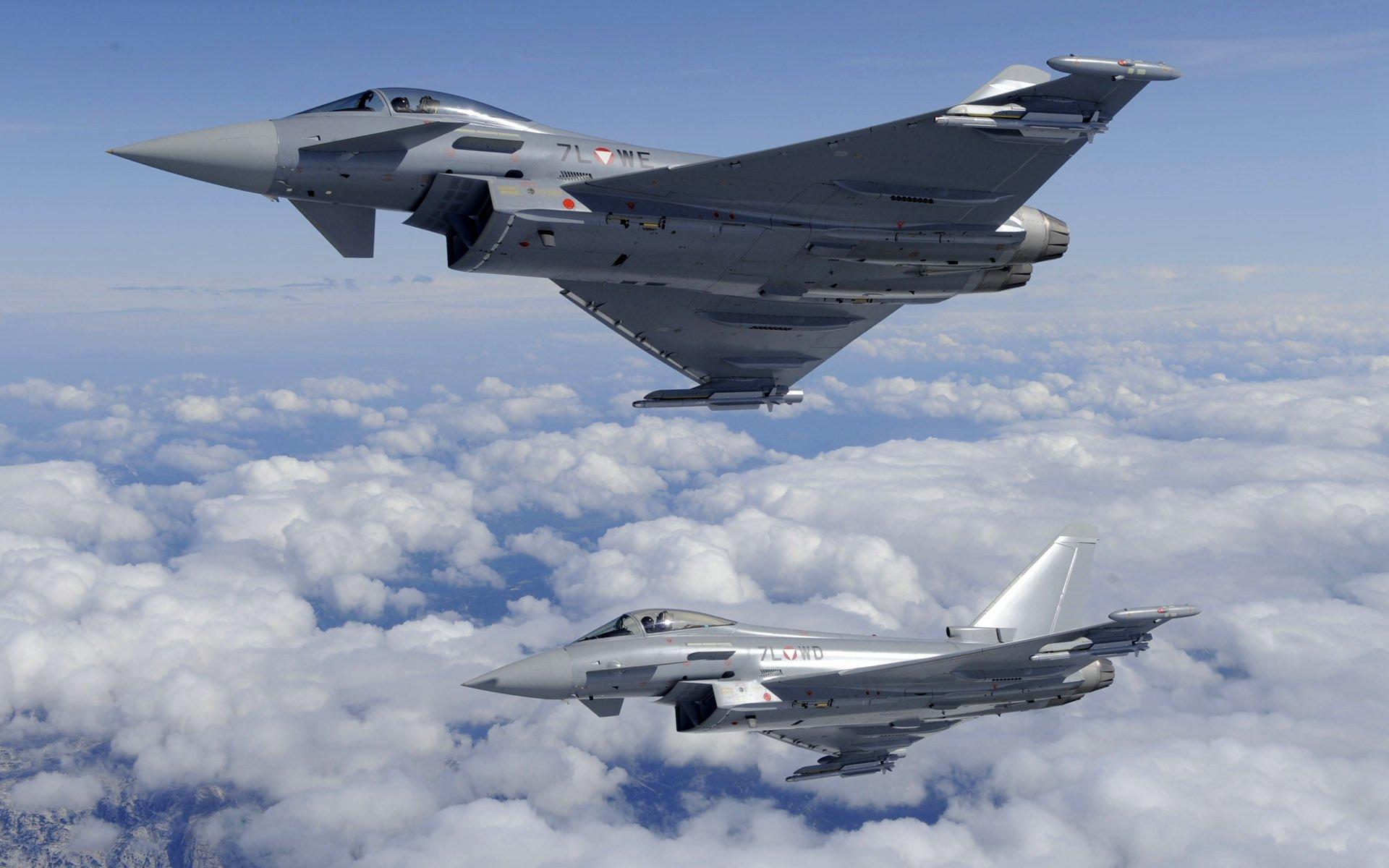 Обои Облака, полет, истребители. Авиация foto 11